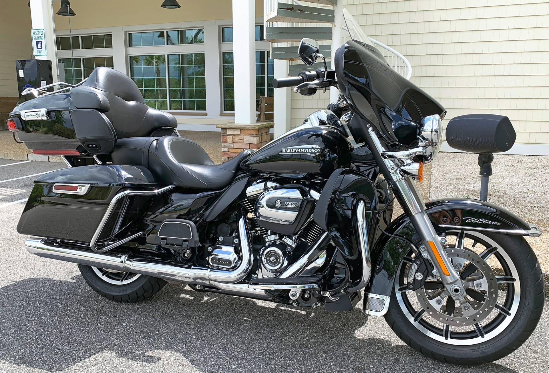 2019 Harley-Davidson Electra Glide® Ultra Classic® in Jacksonville, North Carolina - Photo 2