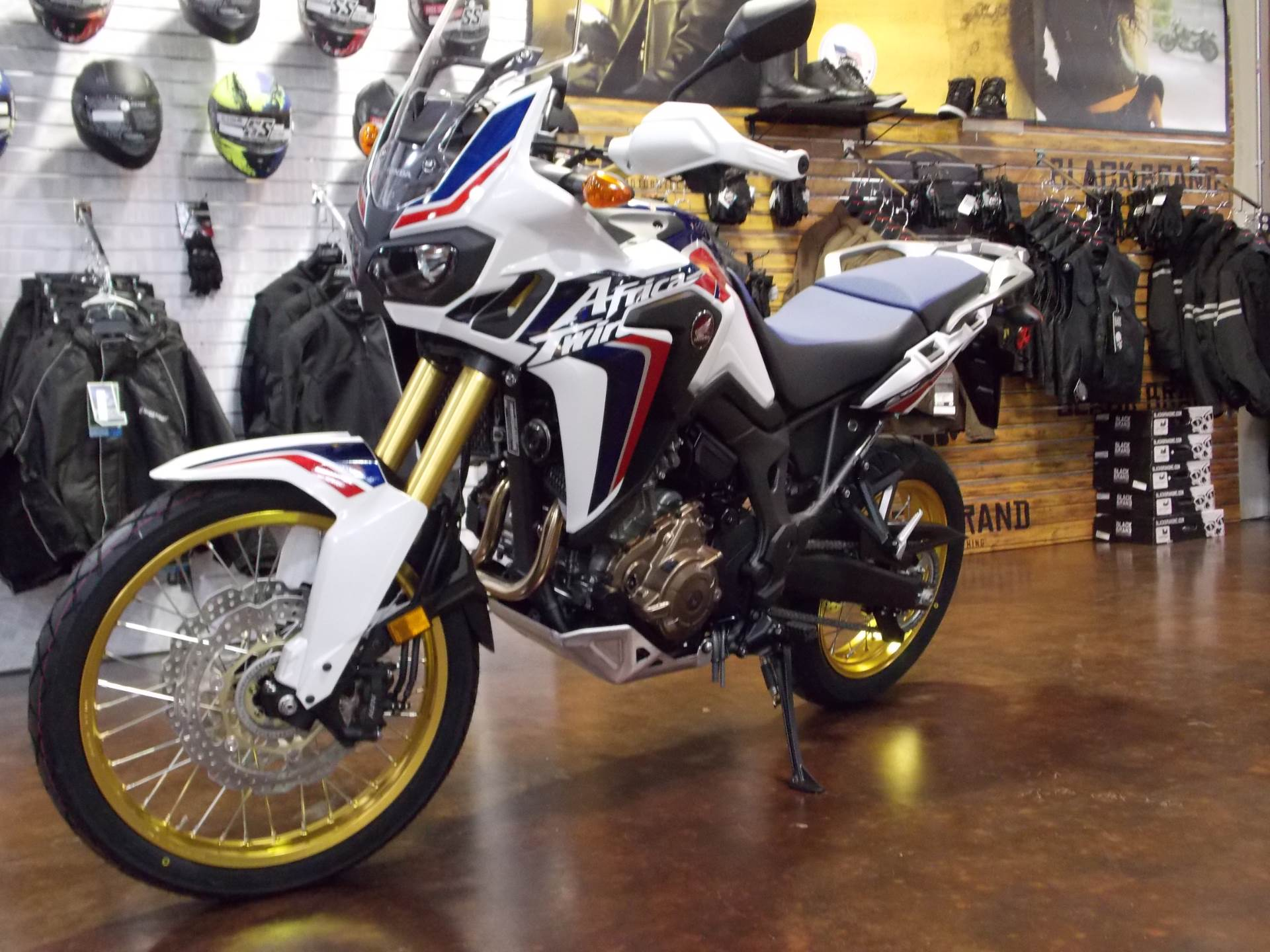 2017 Honda Africa Twin DCT in Statesville, North Carolina - Photo 10