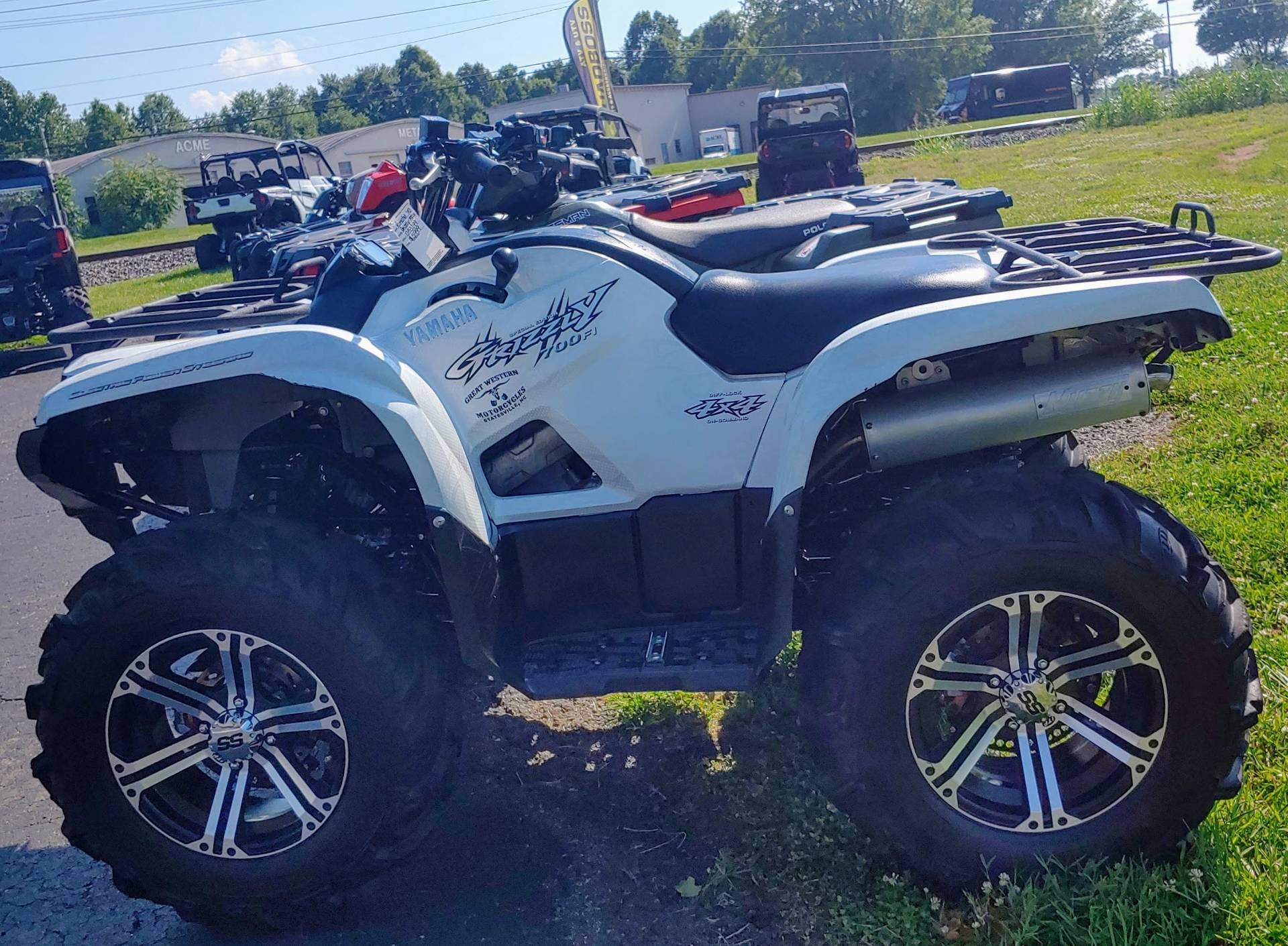 2010 Yamaha Grizzly 700 FI Auto. 4x4 EPS Special Edition in Statesville, North Carolina - Photo 2
