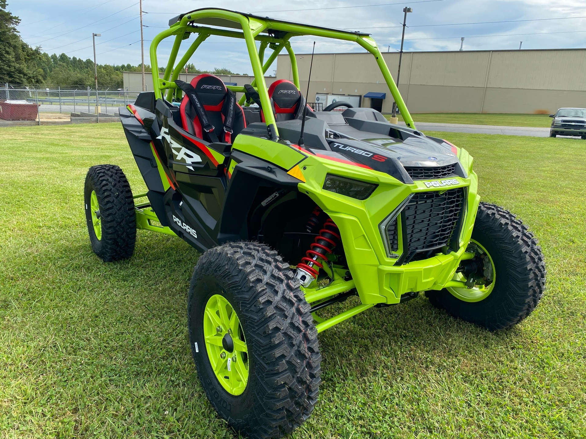 2021 Polaris RZR Turbo S Lifted Lime LE in Statesville, North Carolina - Photo 2