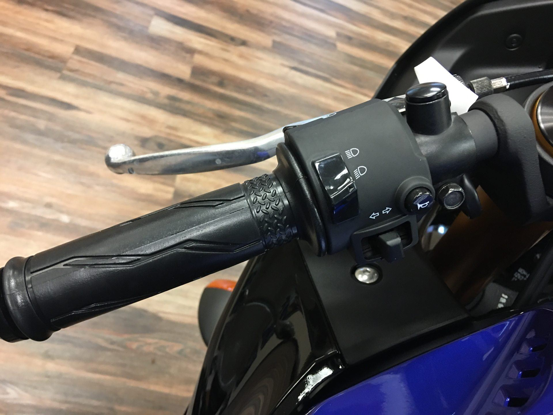 2020 Yamaha YZF-R3 Monster Energy Yamaha MotoGP Edition in Statesville, North Carolina - Photo 5