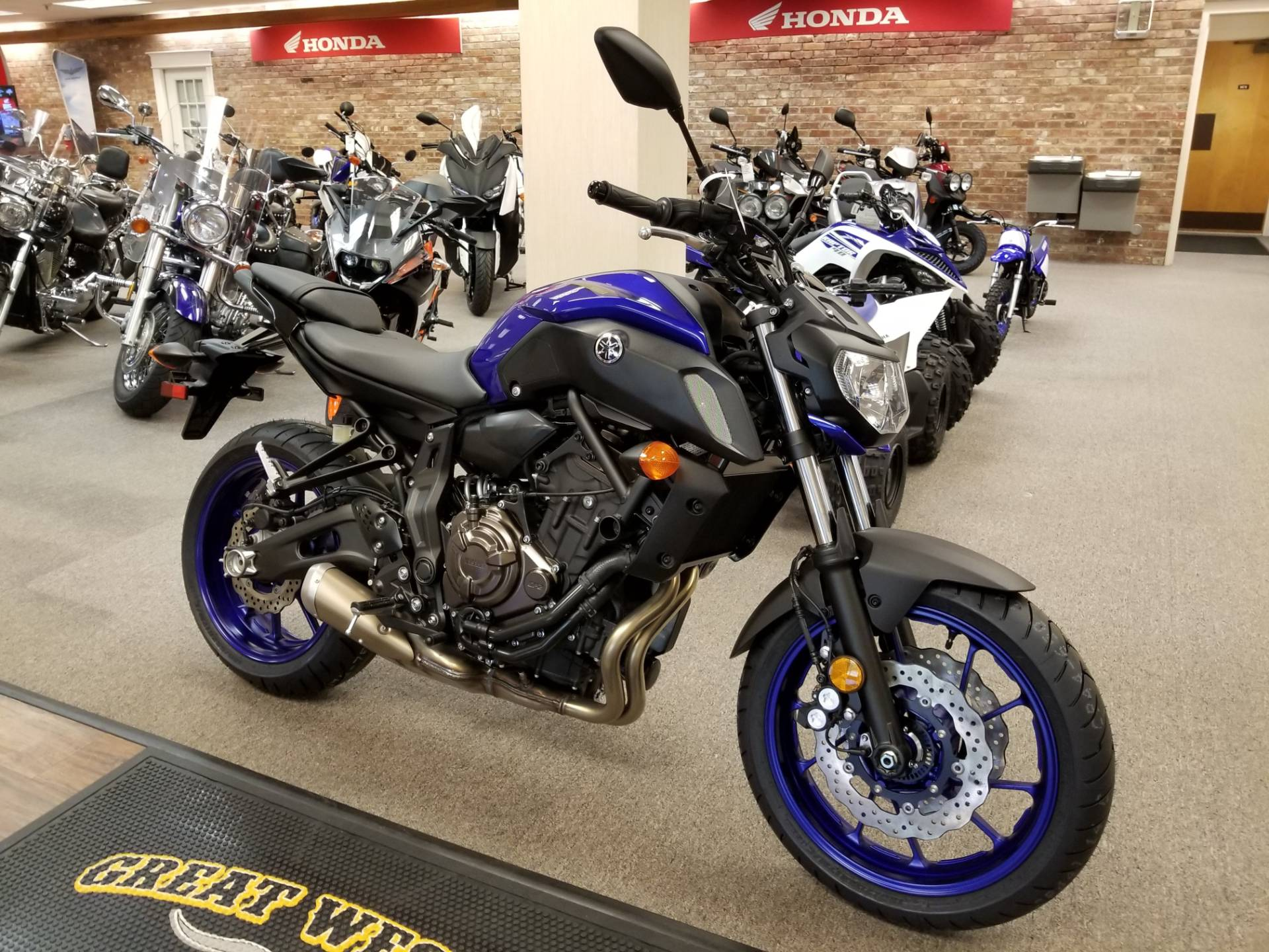 new 2018 yamaha mt 07 motorcycles in statesville nc. Black Bedroom Furniture Sets. Home Design Ideas