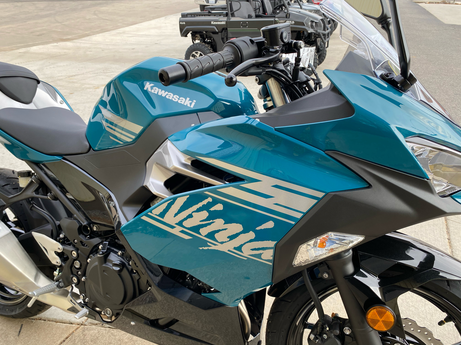 2021 Kawasaki Ninja 400 in Statesville, North Carolina - Photo 5