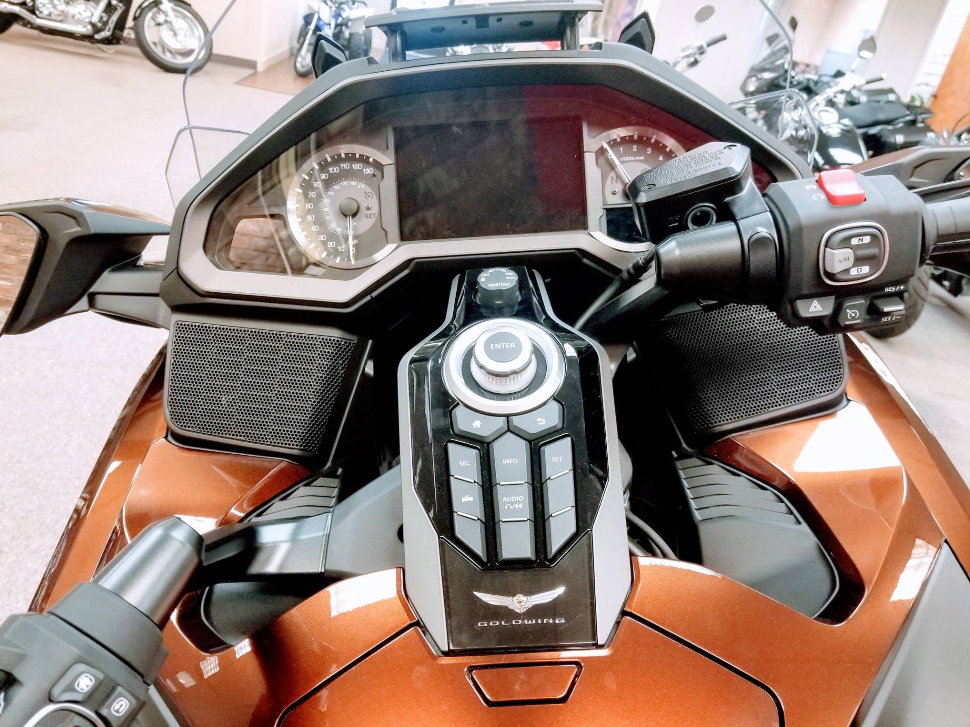 2018 Honda Gold Wing DCT in Statesville, North Carolina - Photo 9