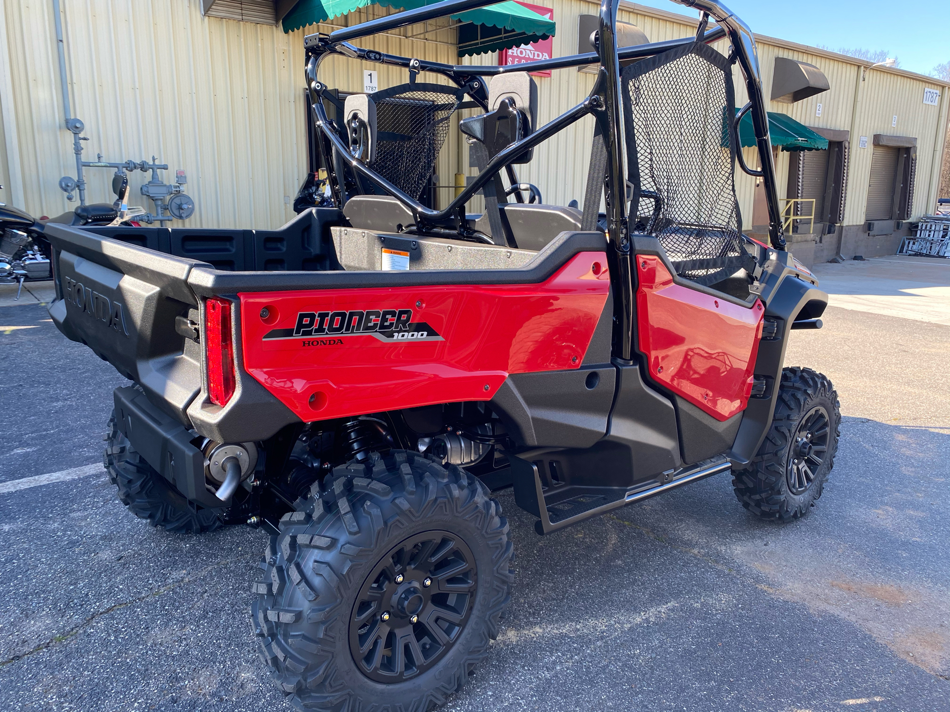 2021 Honda Pioneer 1000 Deluxe in Statesville, North Carolina - Photo 3