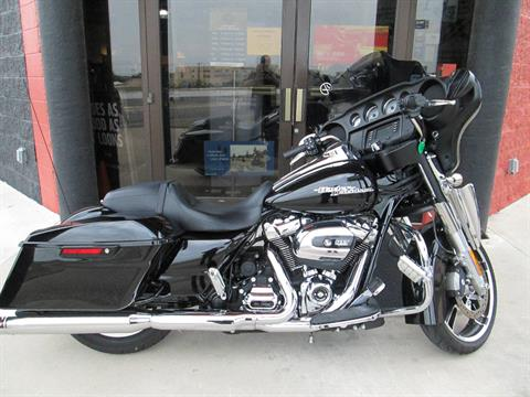 2017 Harley-Davidson Street Glide® in Harker Heights, Texas - Photo 1