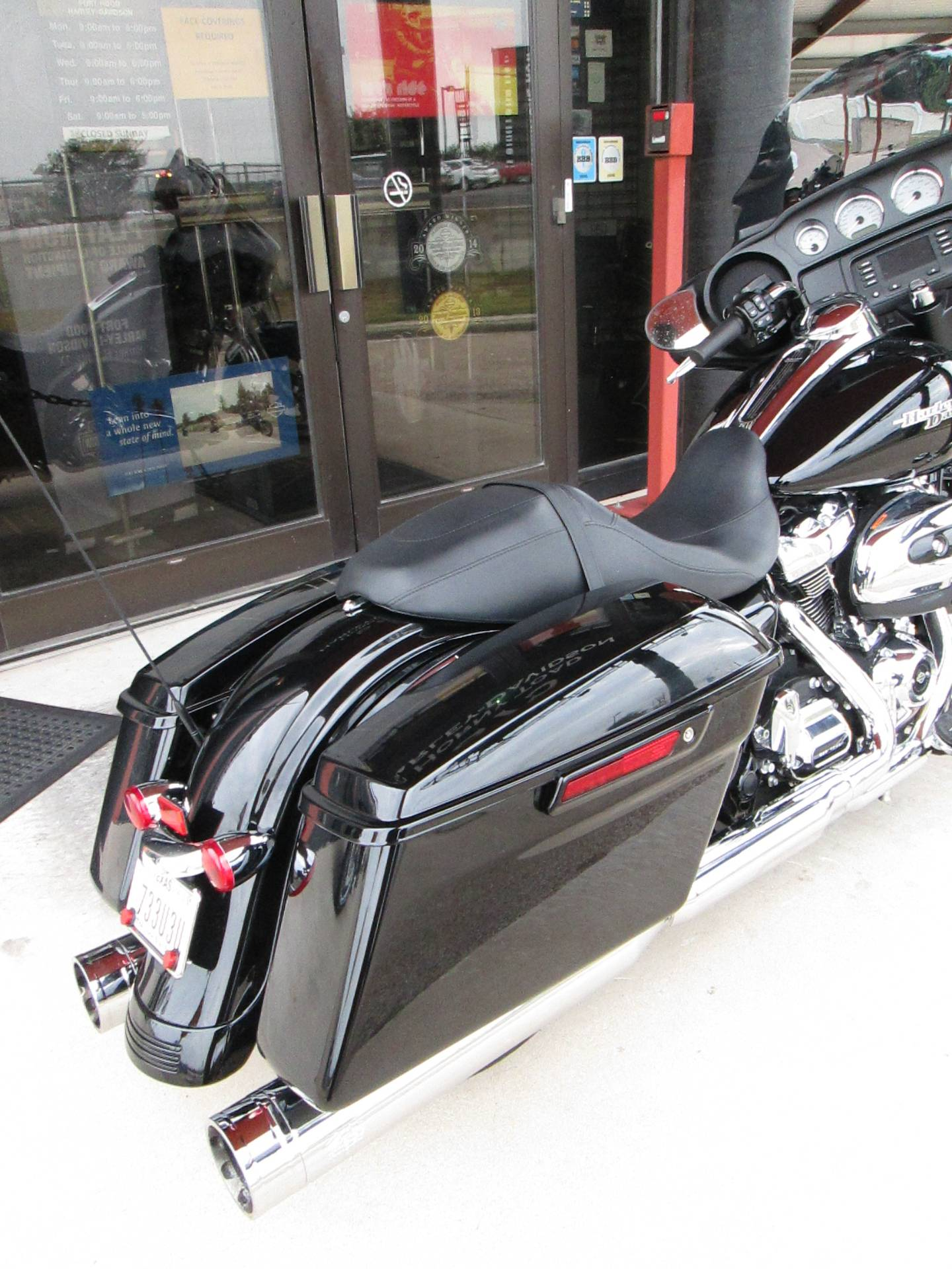 2017 Harley-Davidson Street Glide® in Harker Heights, Texas - Photo 3