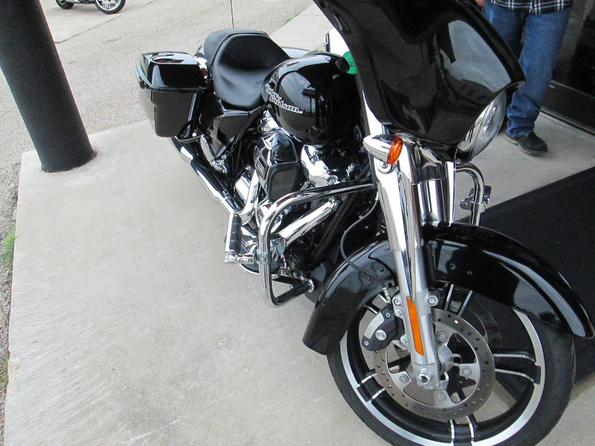 2017 Harley-Davidson Street Glide® in Harker Heights, Texas - Photo 8