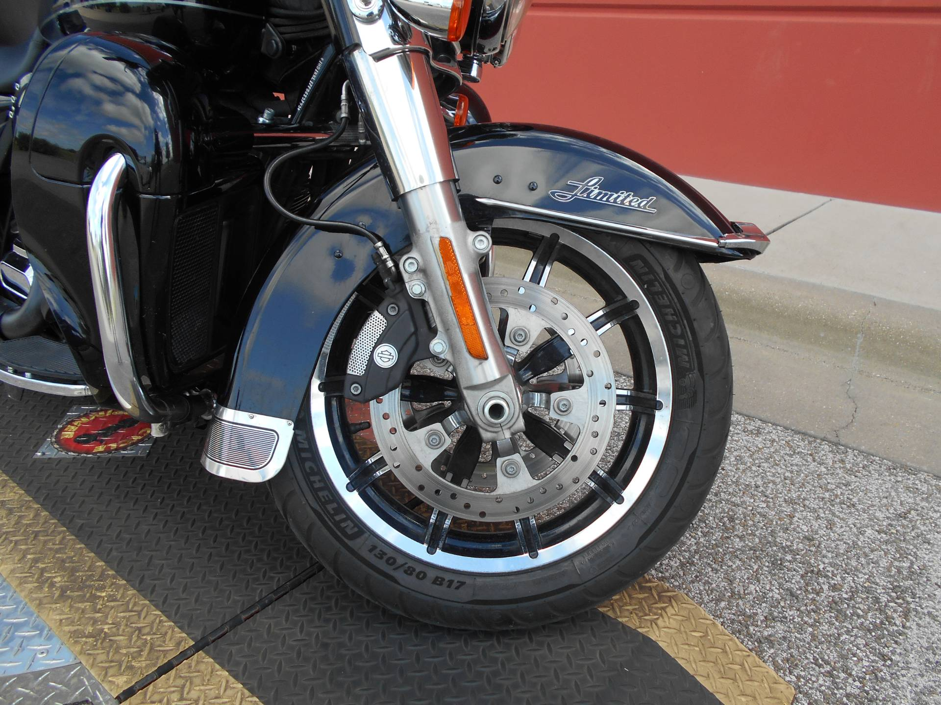 2015 Harley-Davidson Ultra Limited Low in Temple, Texas - Photo 3