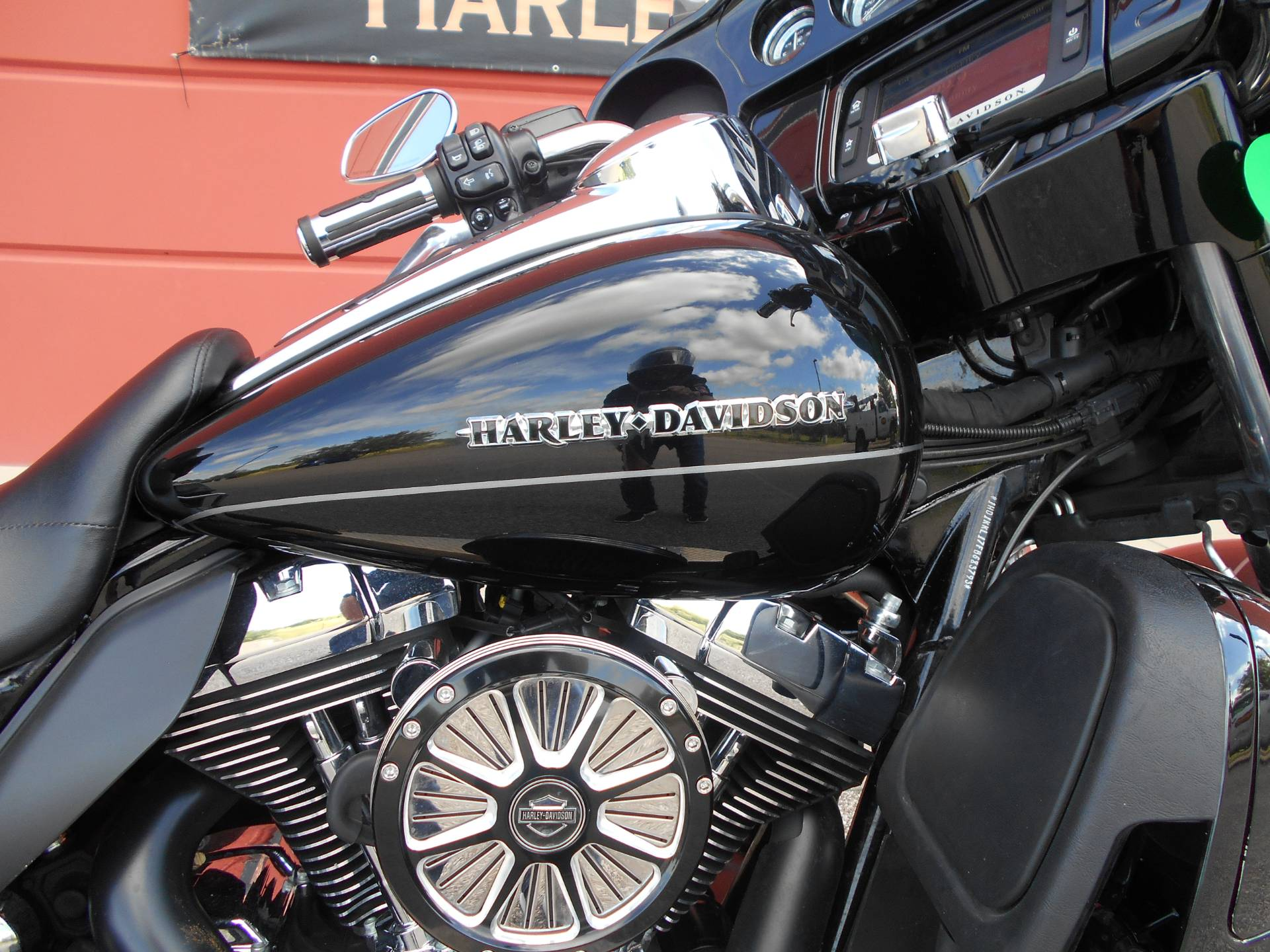 2015 Harley-Davidson Ultra Limited Low in Temple, Texas - Photo 6