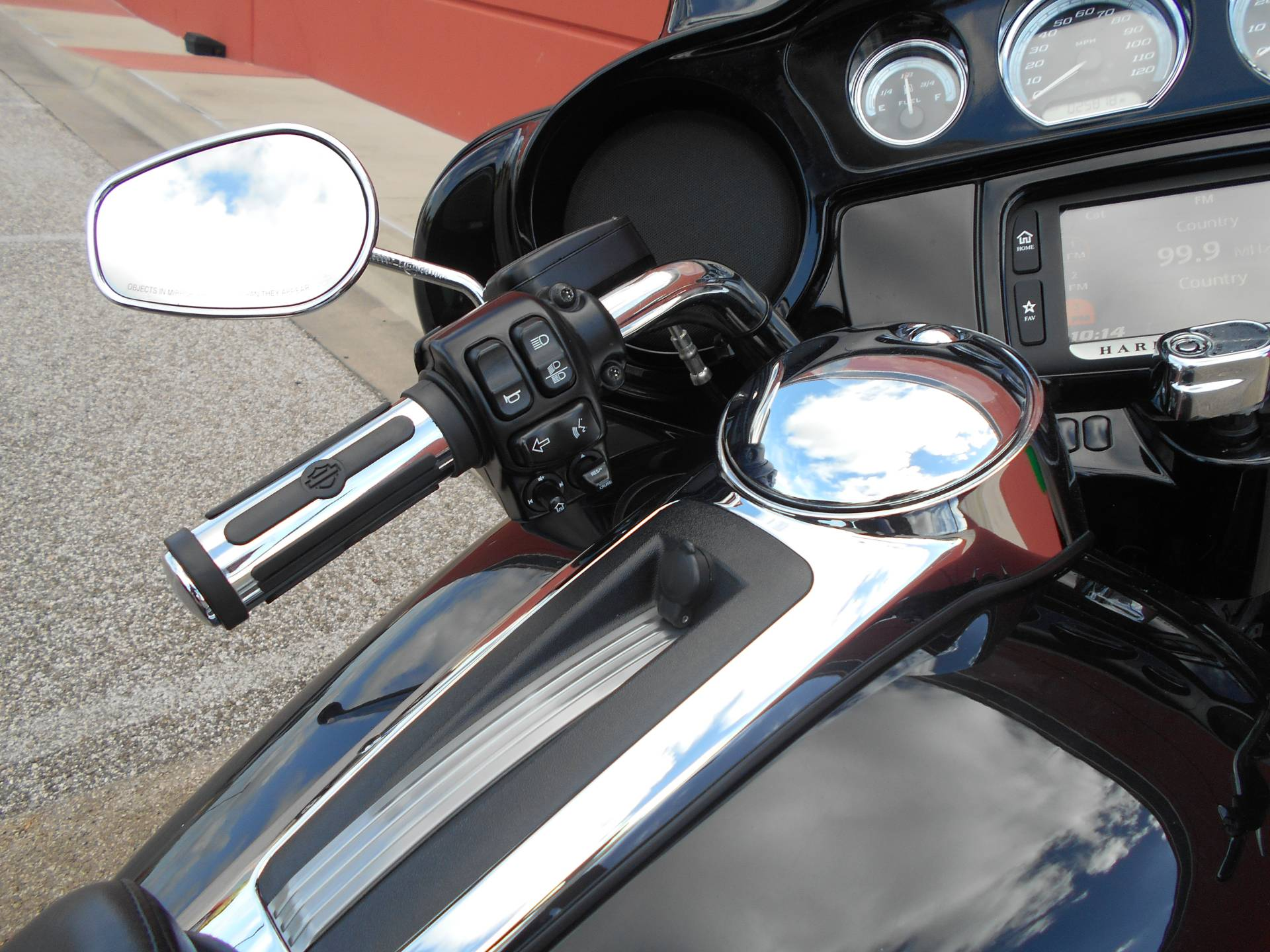 2015 Harley-Davidson Ultra Limited Low in Temple, Texas - Photo 12