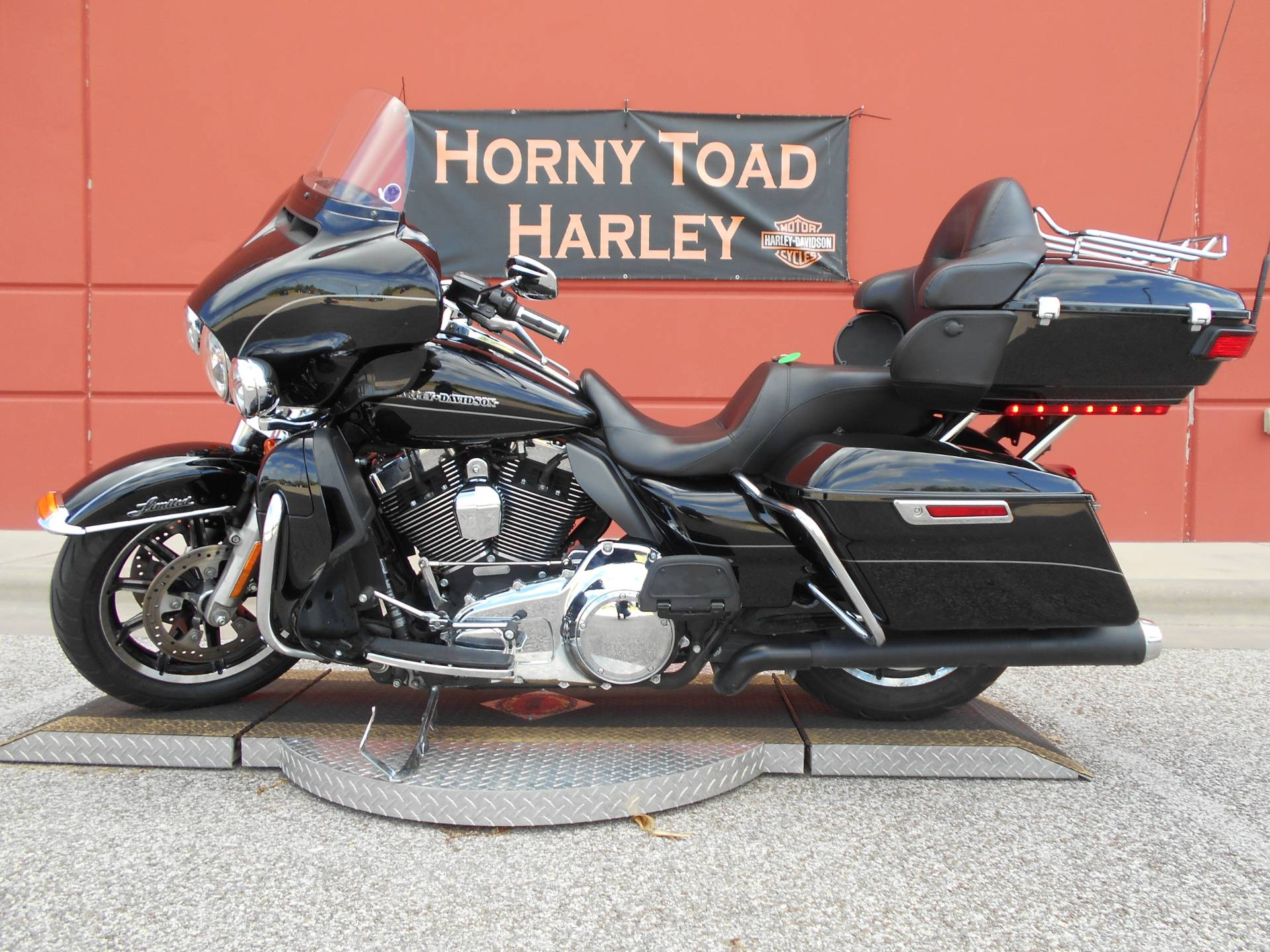 2015 Harley-Davidson Ultra Limited Low in Temple, Texas - Photo 16