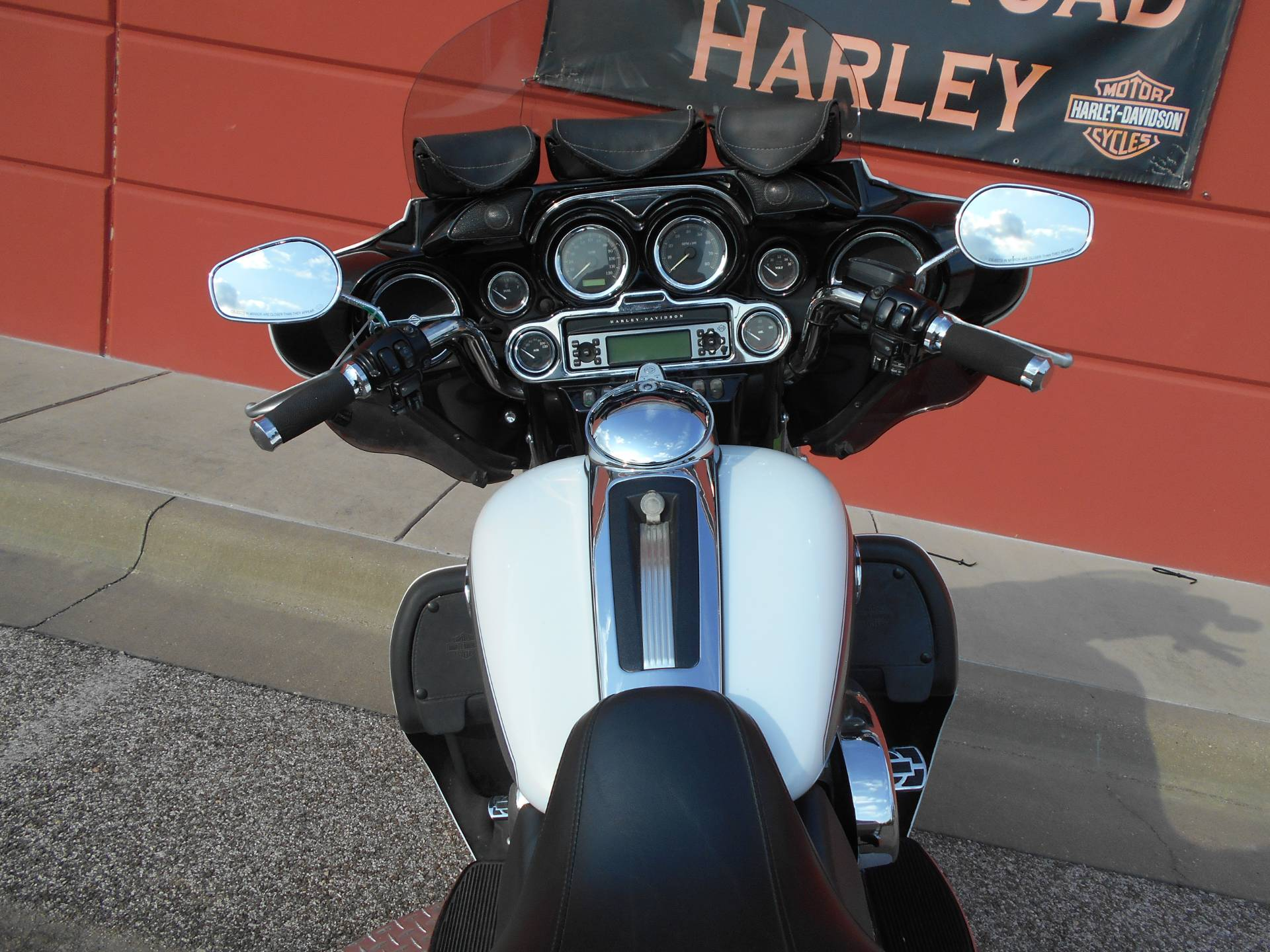 2009 Harley-Davidson Ultra Classic® Electra Glide® in Temple, Texas - Photo 10