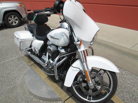 2017 Harley-Davidson Street Glide® Special in Temple, Texas - Photo 8