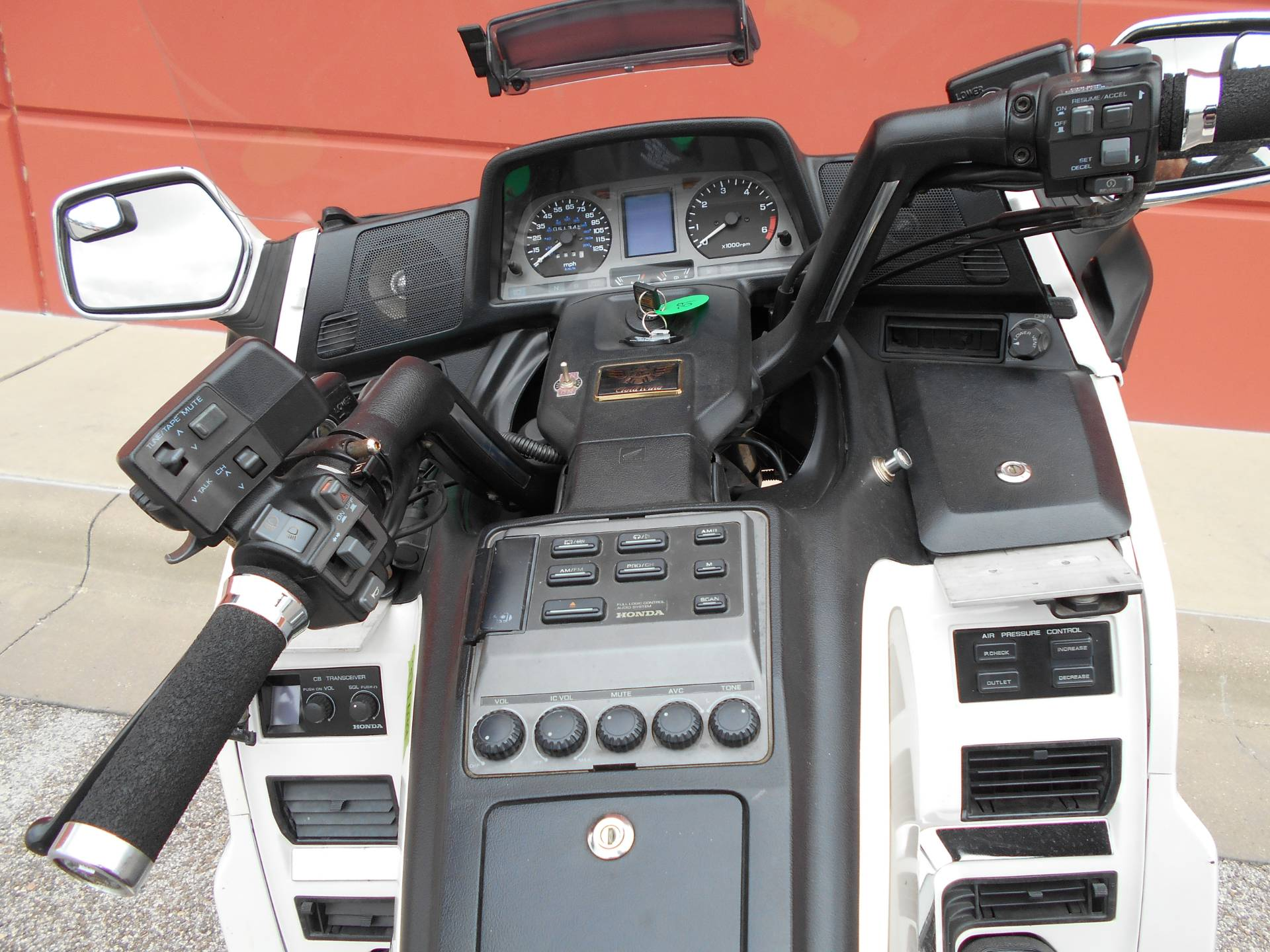 1997 Honda GOLDWING in Temple, Texas - Photo 9