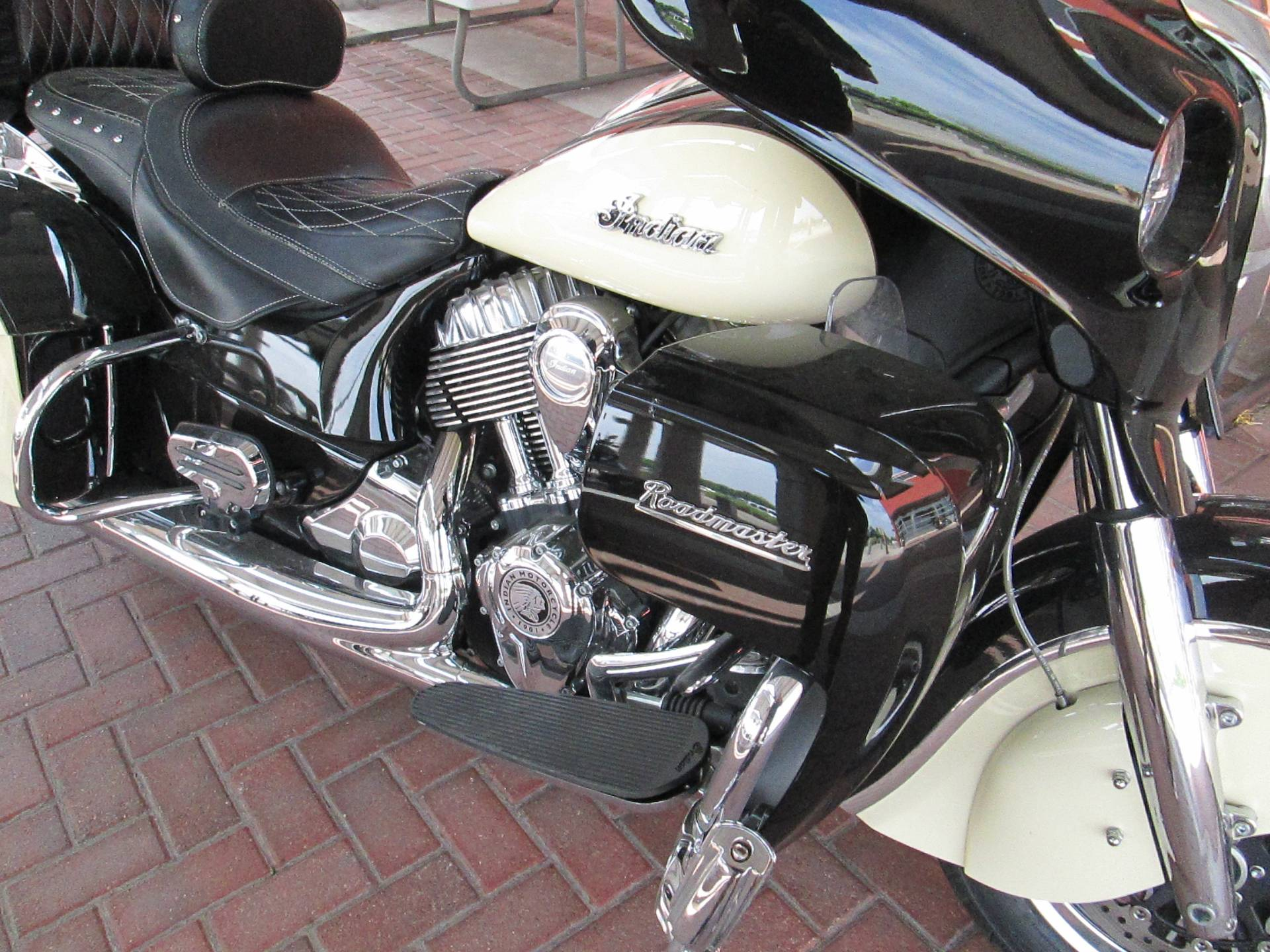 2017 Indian Roadmaster® in Temple, Texas - Photo 2