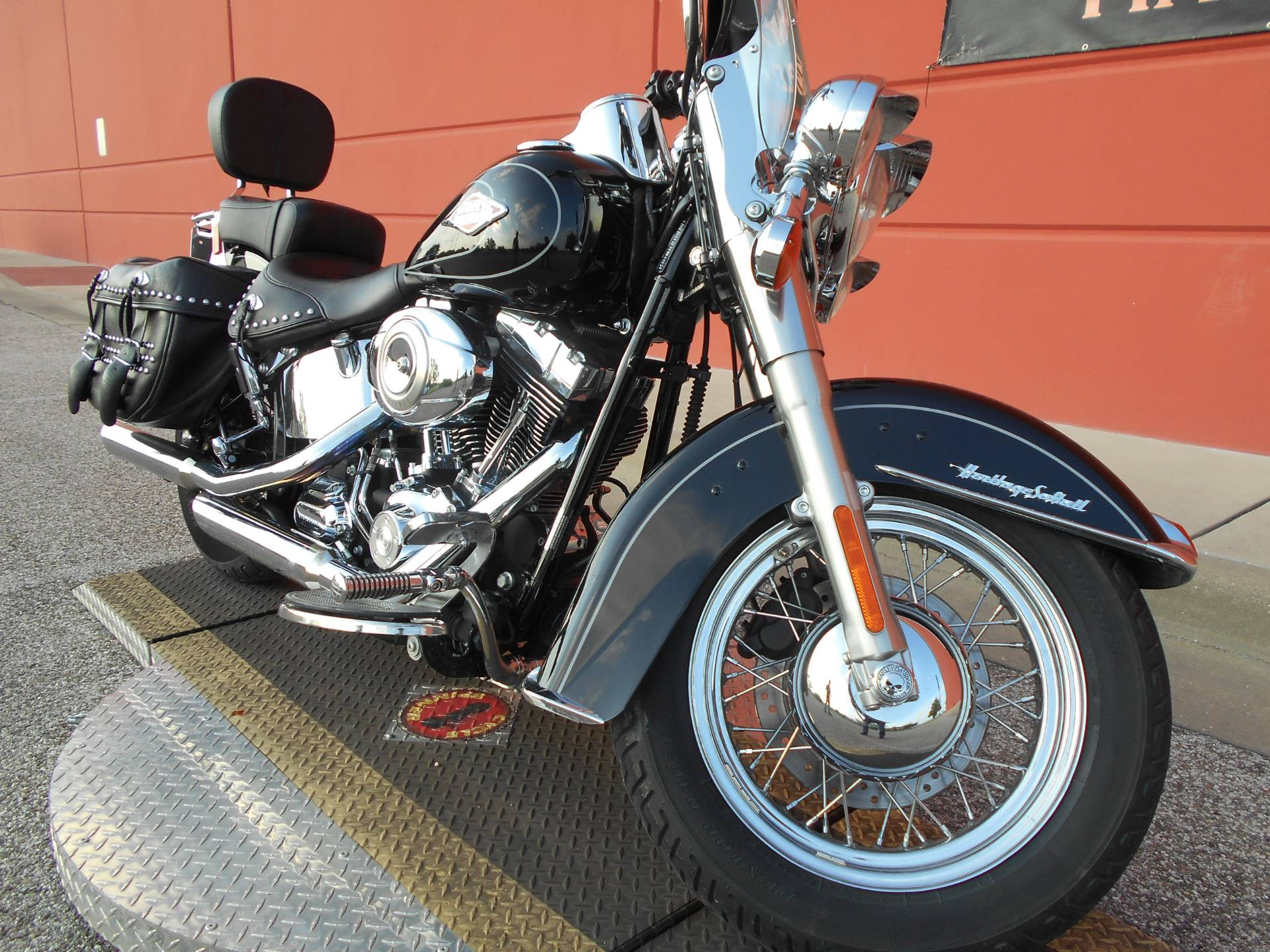 2009 Harley-Davidson FLSTC Heritage Softail® Classic in Temple, Texas - Photo 3