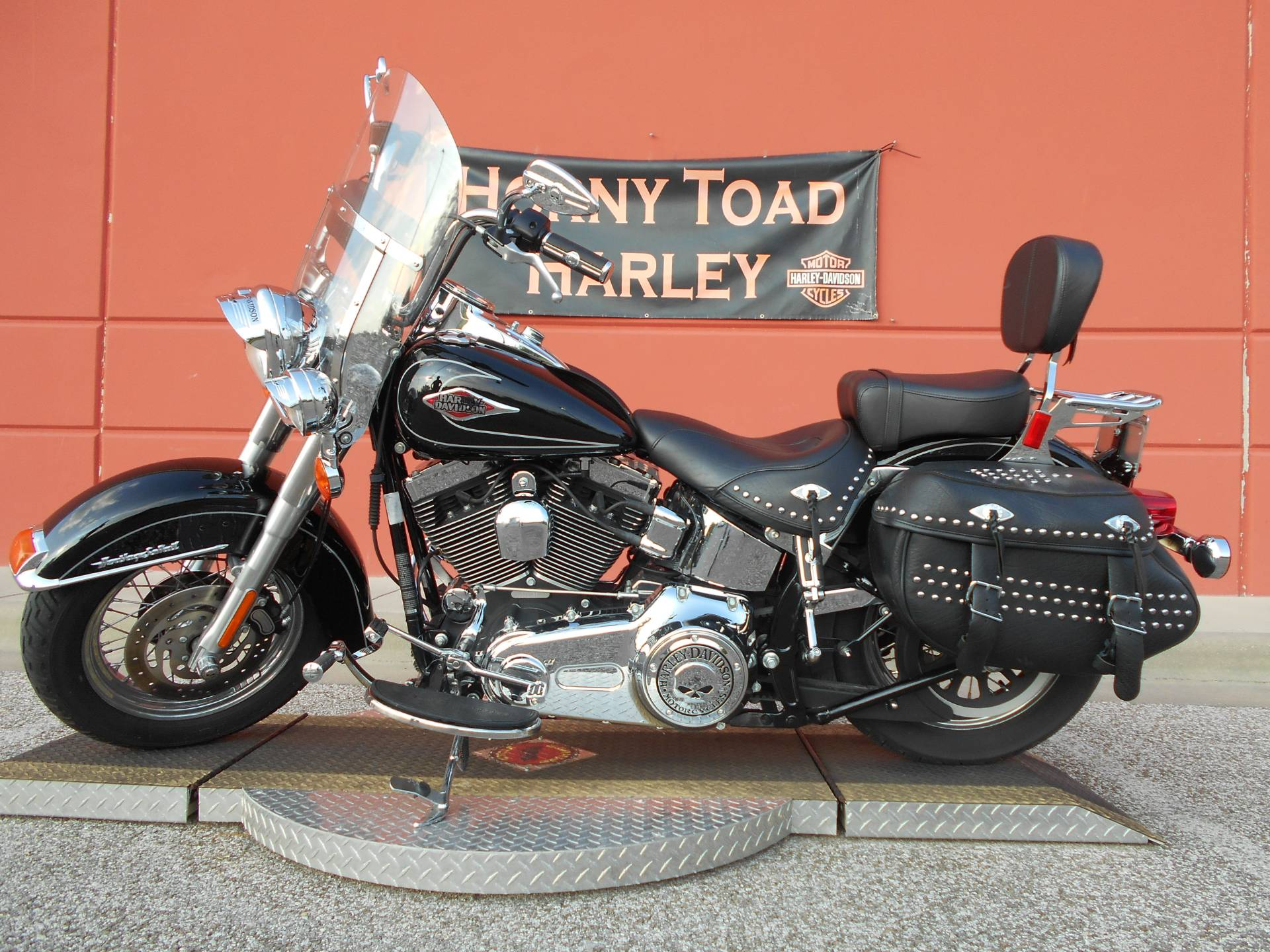2009 Harley-Davidson FLSTC Heritage Softail® Classic in Temple, Texas - Photo 12