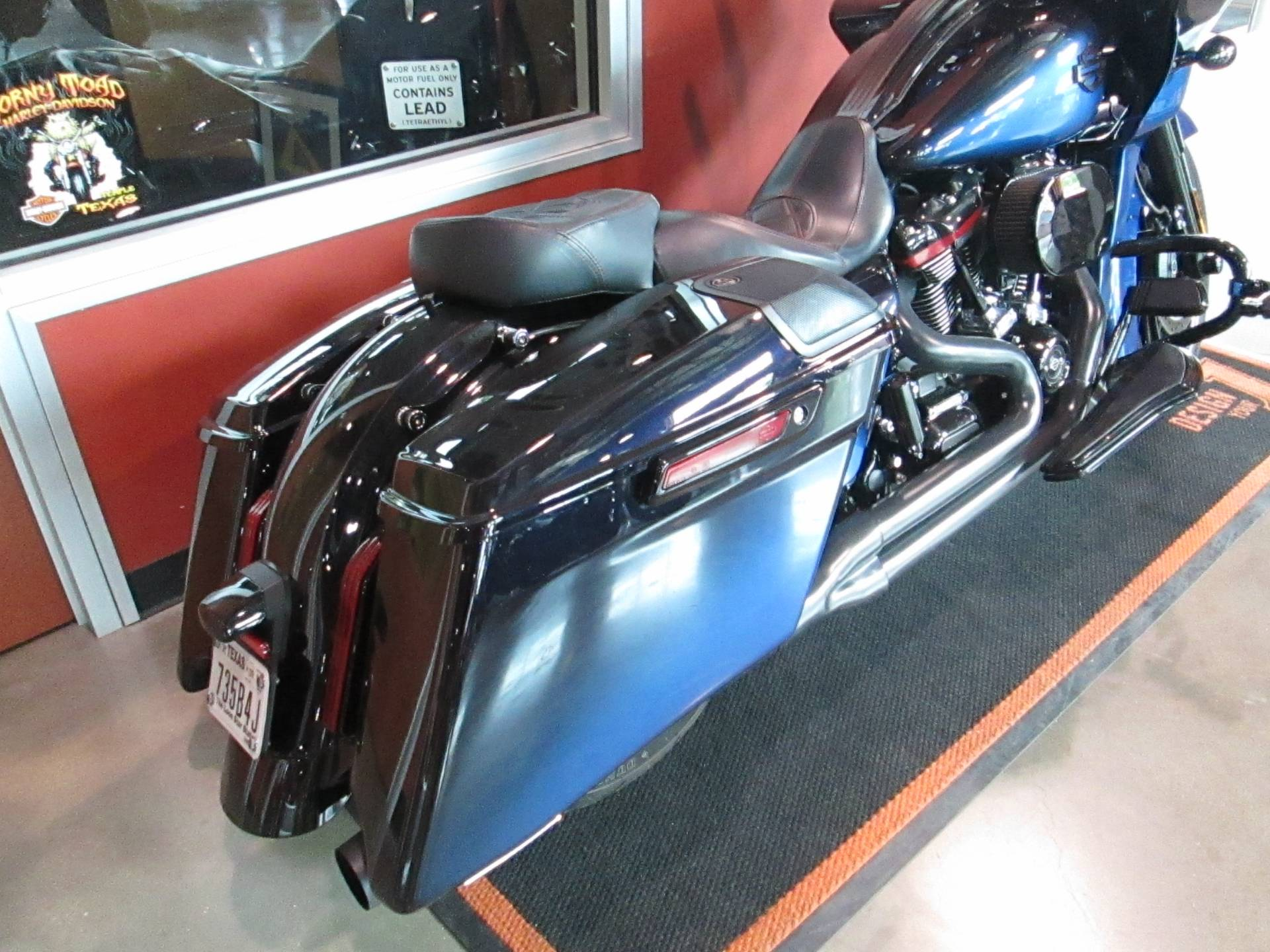 2019 Harley-Davidson CVO™ Road Glide® in Temple, Texas - Photo 2