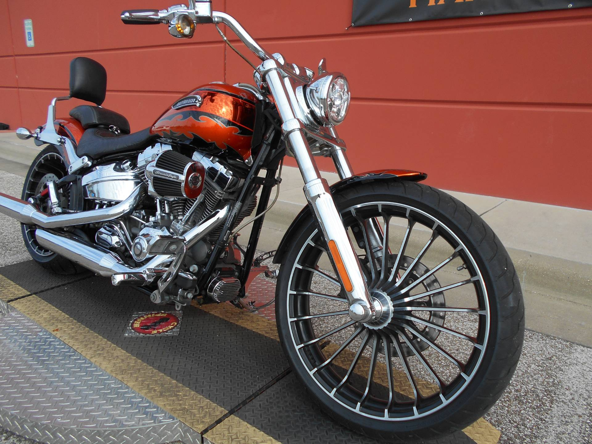 2014 Harley-Davidson CVO™ Breakout® in Temple, Texas - Photo 3