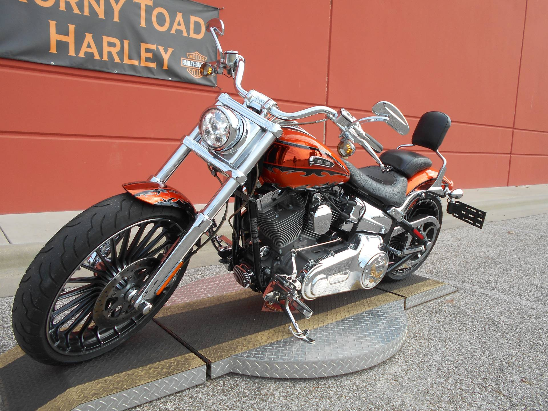 2014 Harley-Davidson CVO™ Breakout® in Temple, Texas - Photo 15