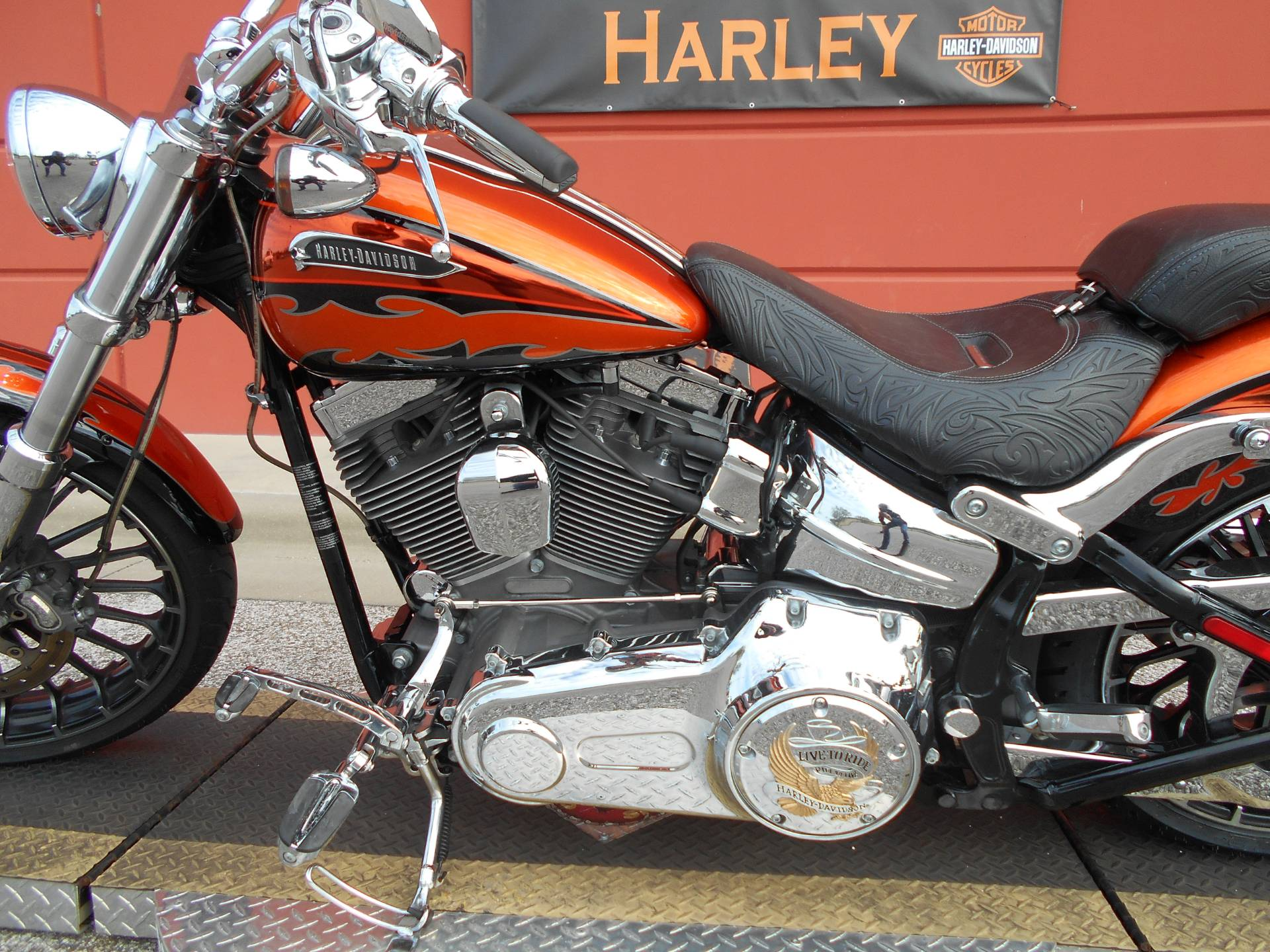 2014 Harley-Davidson CVO™ Breakout® in Temple, Texas - Photo 16