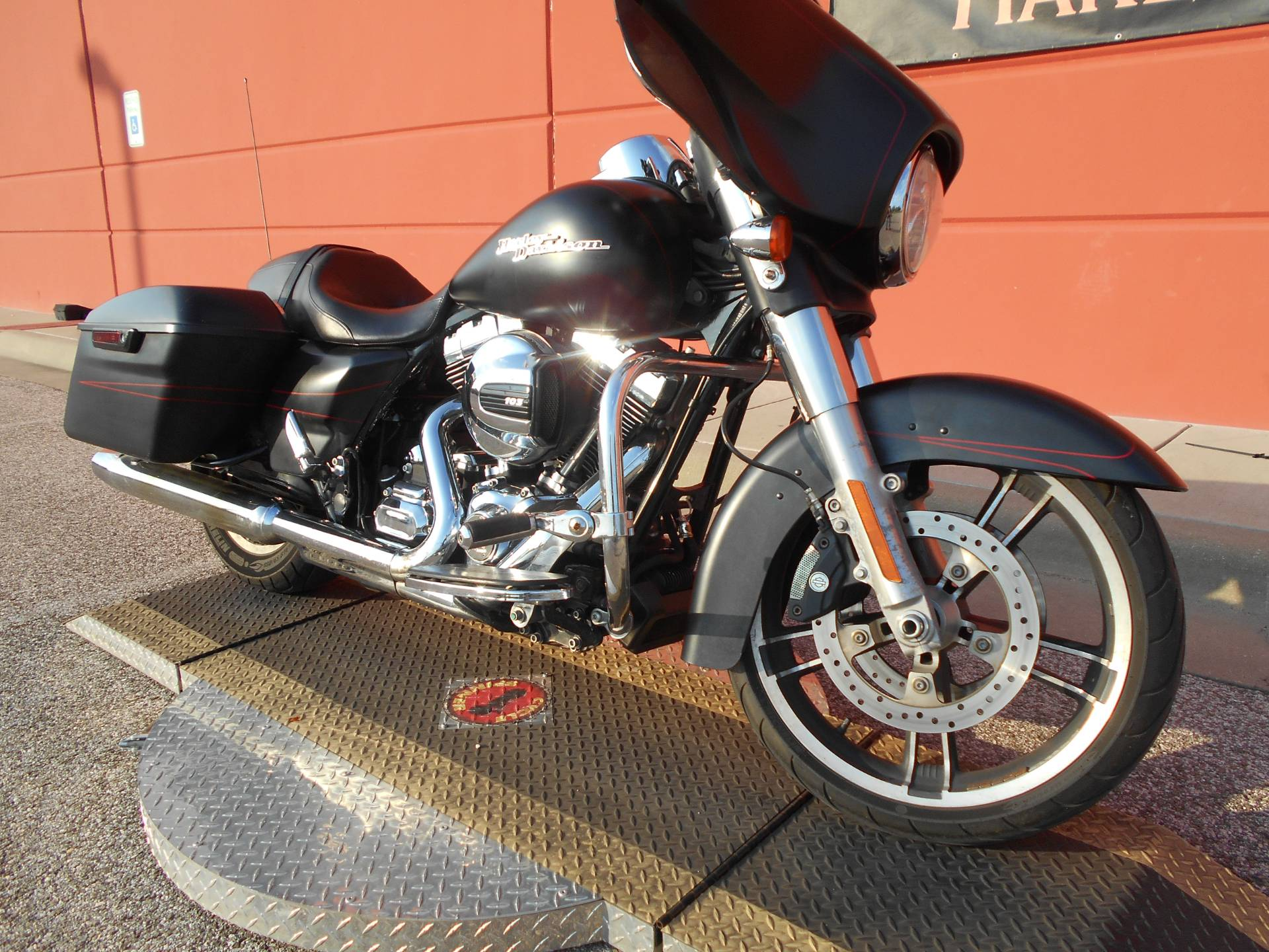 2015 Harley-Davidson Street Glide® Special in Temple, Texas - Photo 3