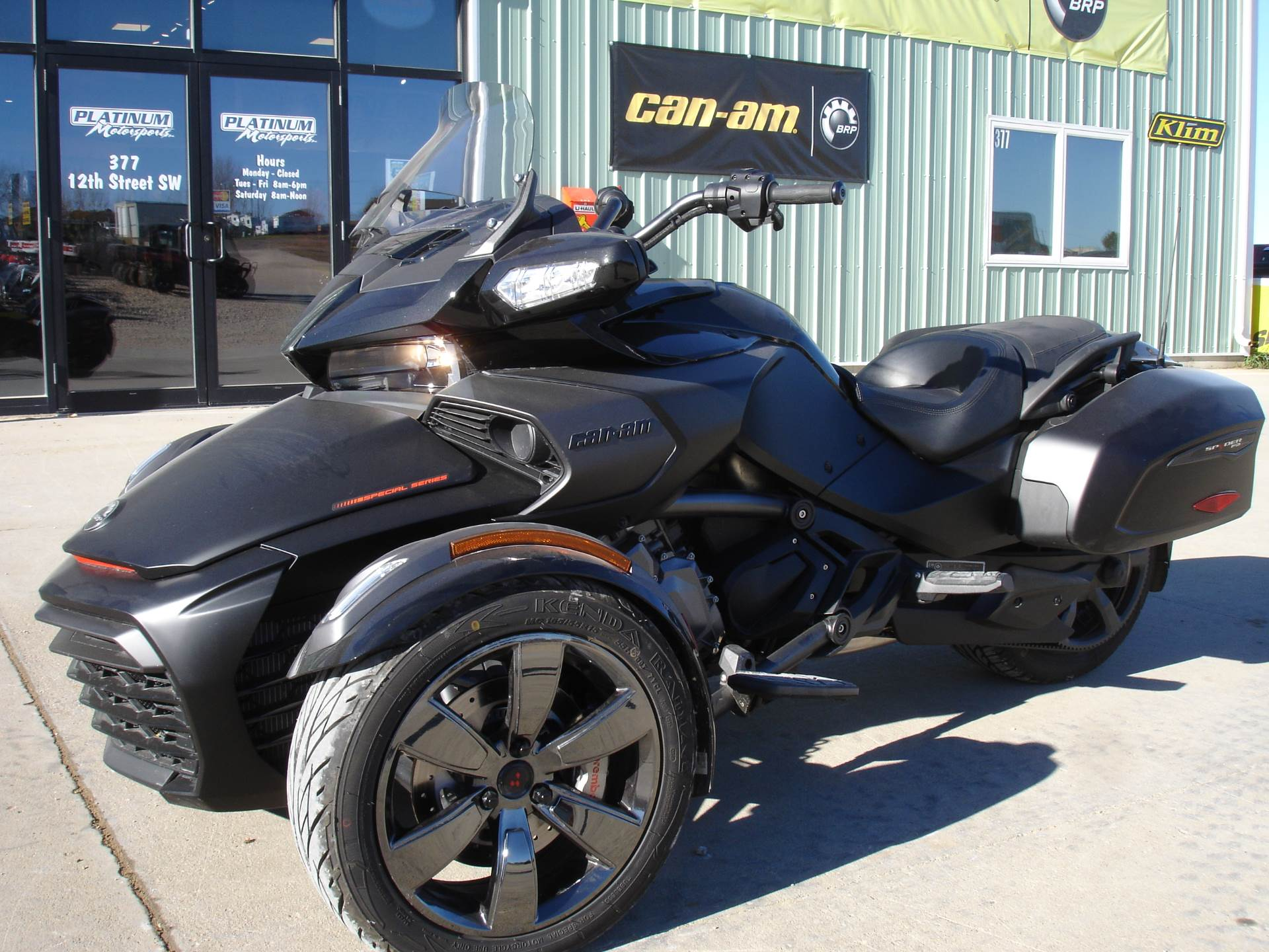 2016 Can-Am Spyder F3 Limited Special Series in Dickinson, North Dakota