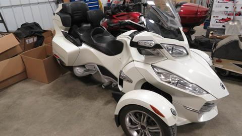 2011 Can-Am Spyder® RT Limited in Dickinson, North Dakota