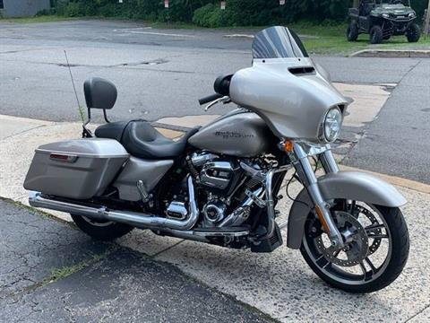 2018 Harley-Davidson Street Glide® in Palmerton, Pennsylvania - Photo 2