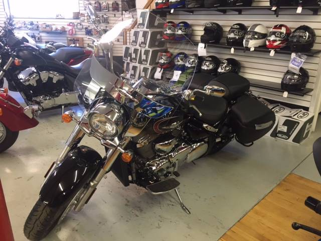 2017 Suzuki Boulevard C90T in Palmerton, Pennsylvania - Photo 2