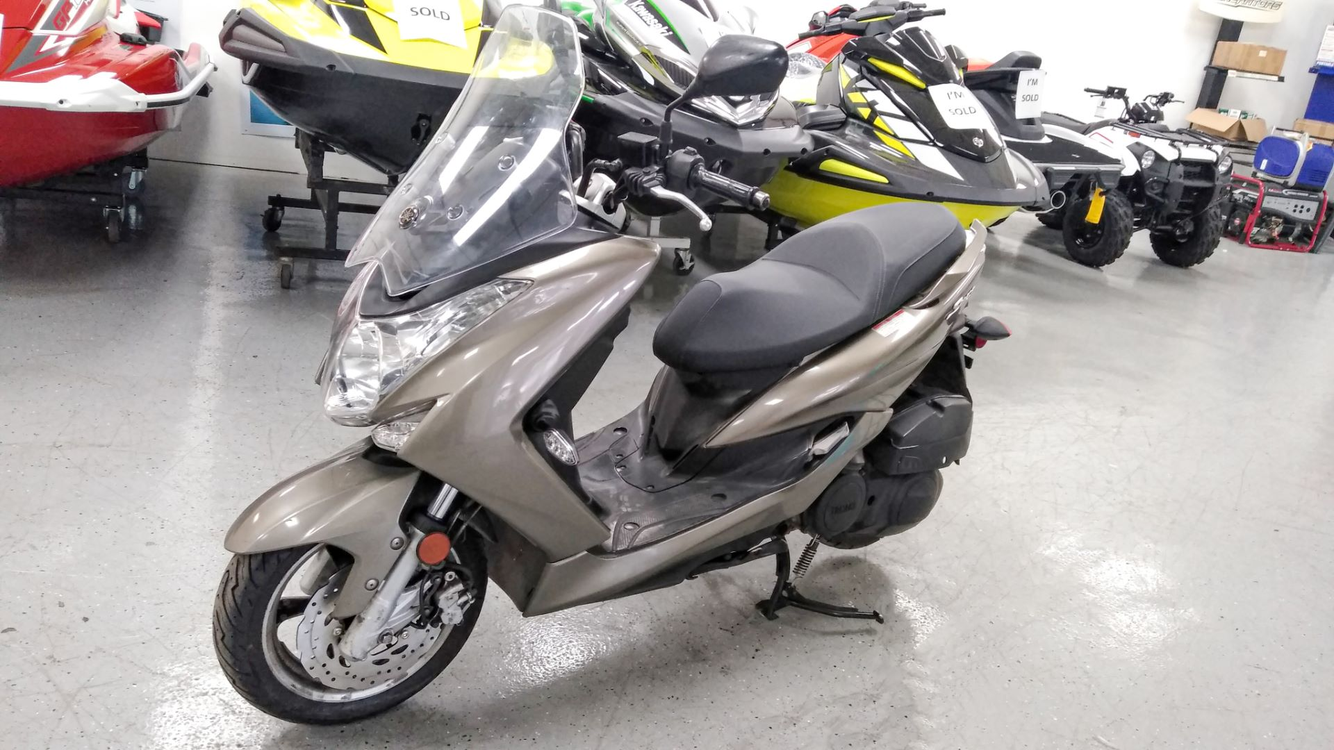 2015 Yamaha S-MAX in Queens Village, New York - Photo 1