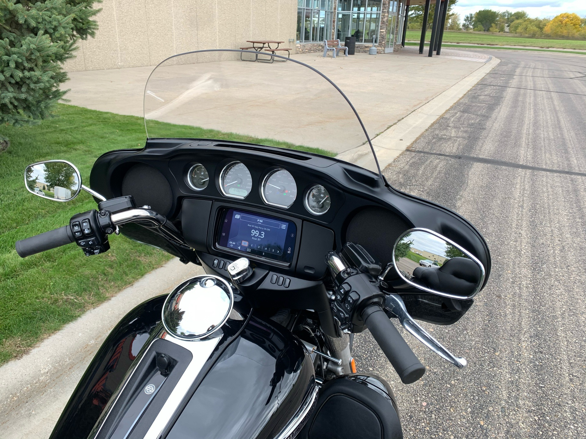 2019 Harley-Davidson Tri Glide® Ultra in Alexandria, Minnesota - Photo 5