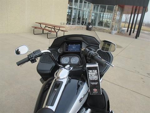 2019 Harley-Davidson Road Glide® Ultra in Alexandria, Minnesota - Photo 2