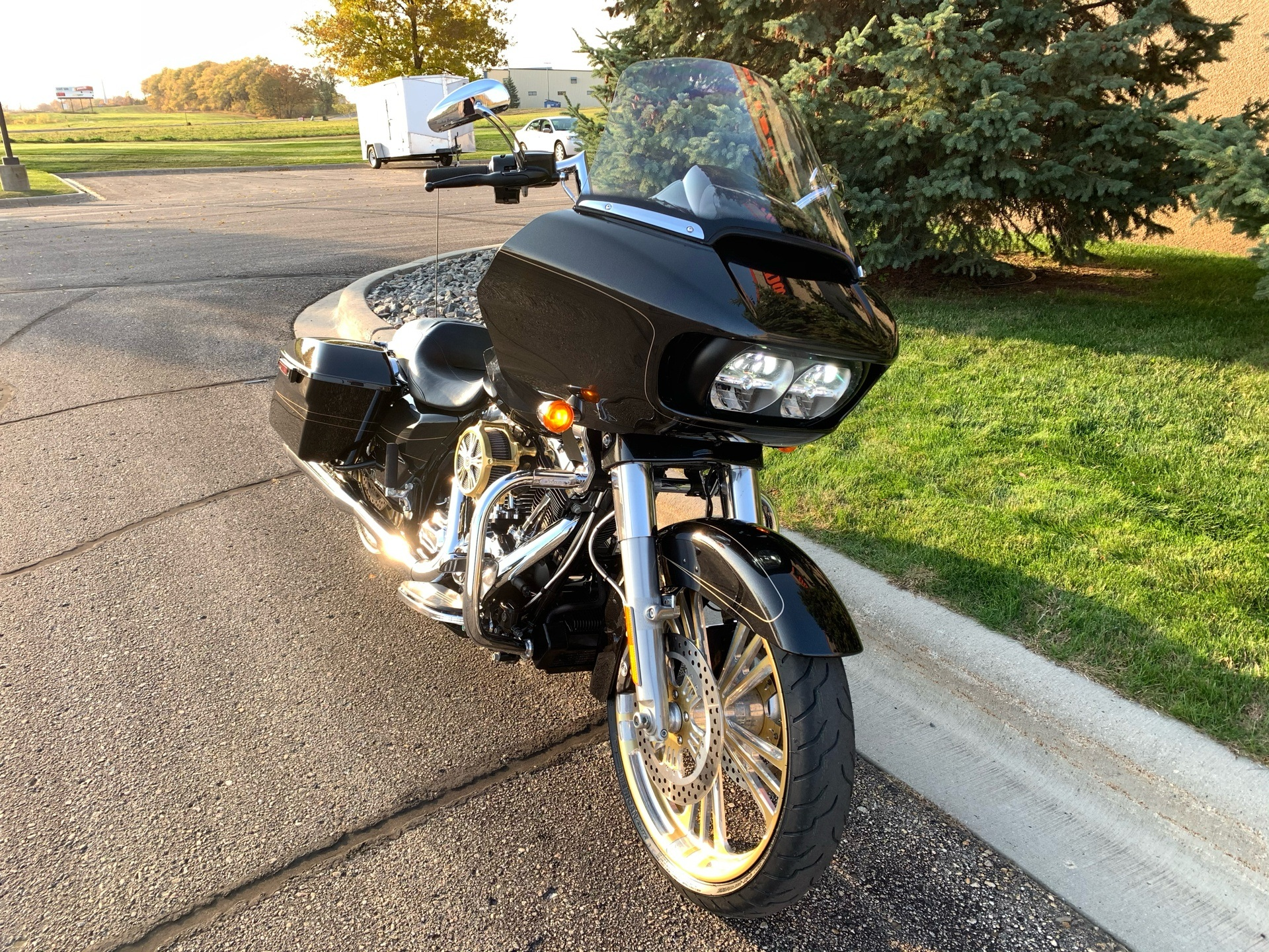 2016 Harley-Davidson Road Glide® Special in Alexandria, Minnesota - Photo 2