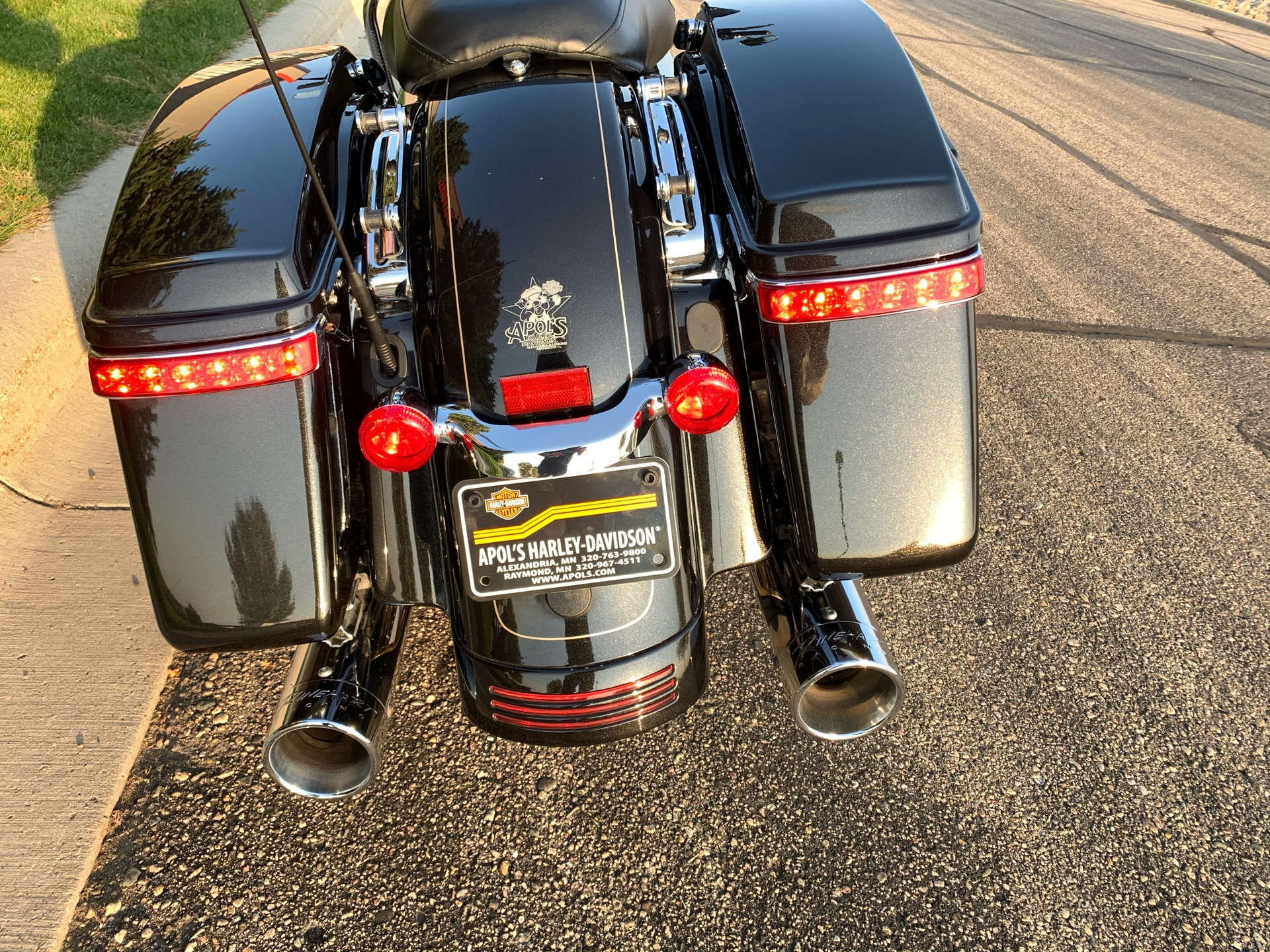 2016 Harley-Davidson Road Glide® Special in Alexandria, Minnesota - Photo 6