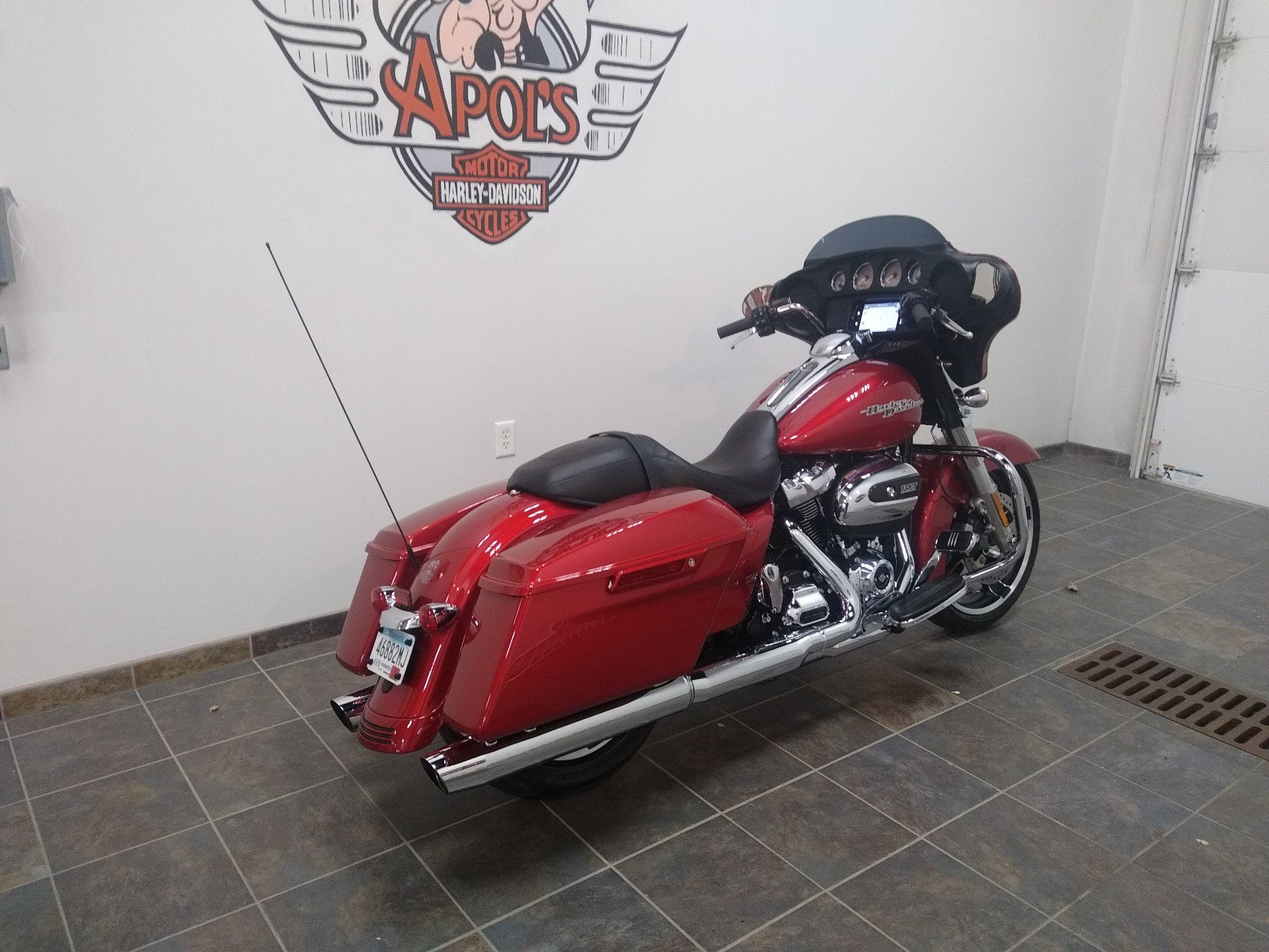 2019 Harley-Davidson Street Glide® in Alexandria, Minnesota - Photo 4