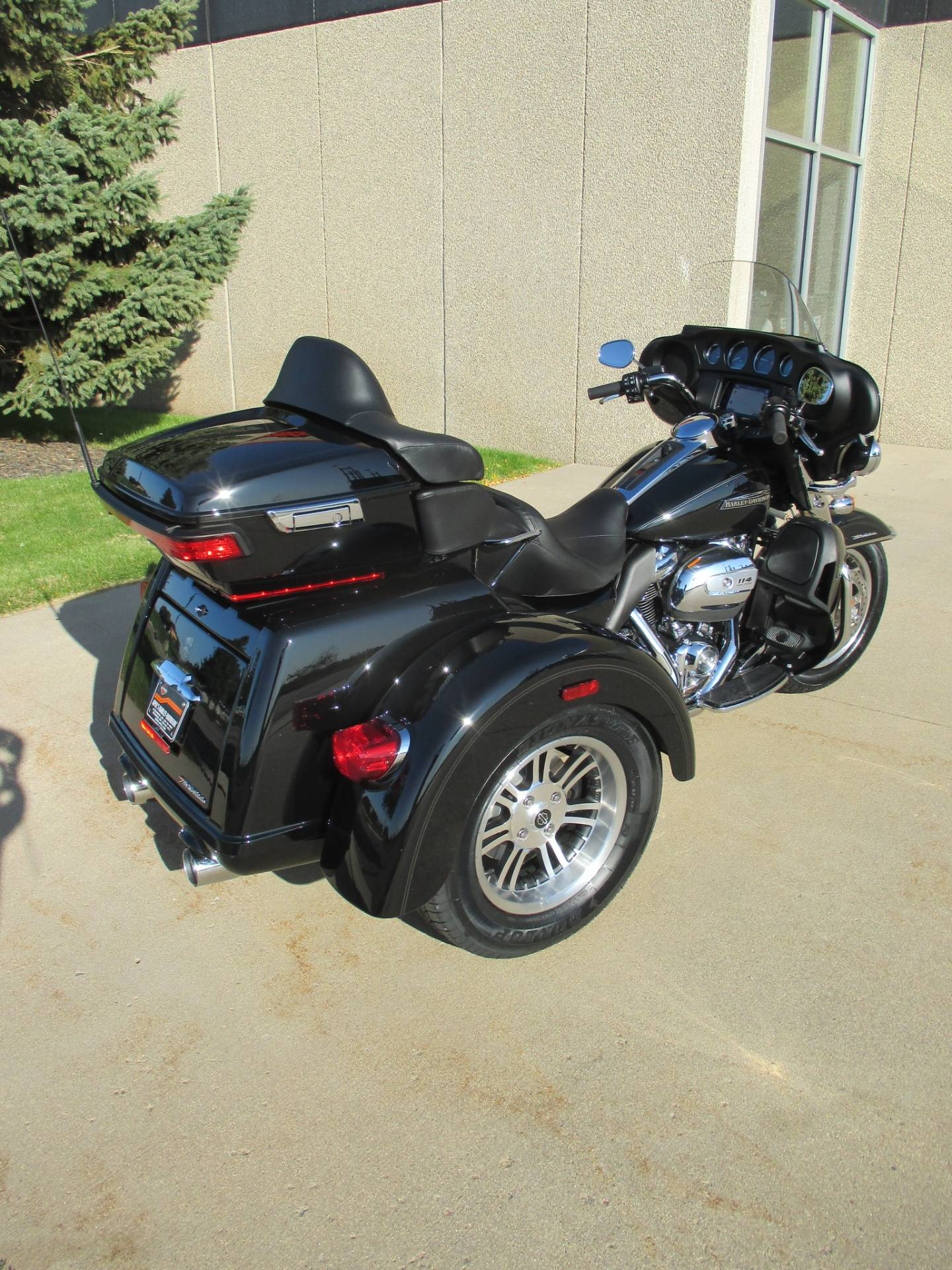 2020 Harley-Davidson Tri Glide® Ultra in Alexandria, Minnesota - Photo 2