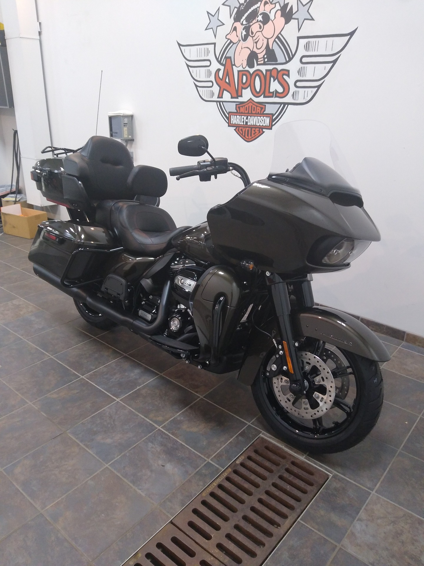 2020 Harley-Davidson Road Glide® Limited in Alexandria, Minnesota - Photo 2