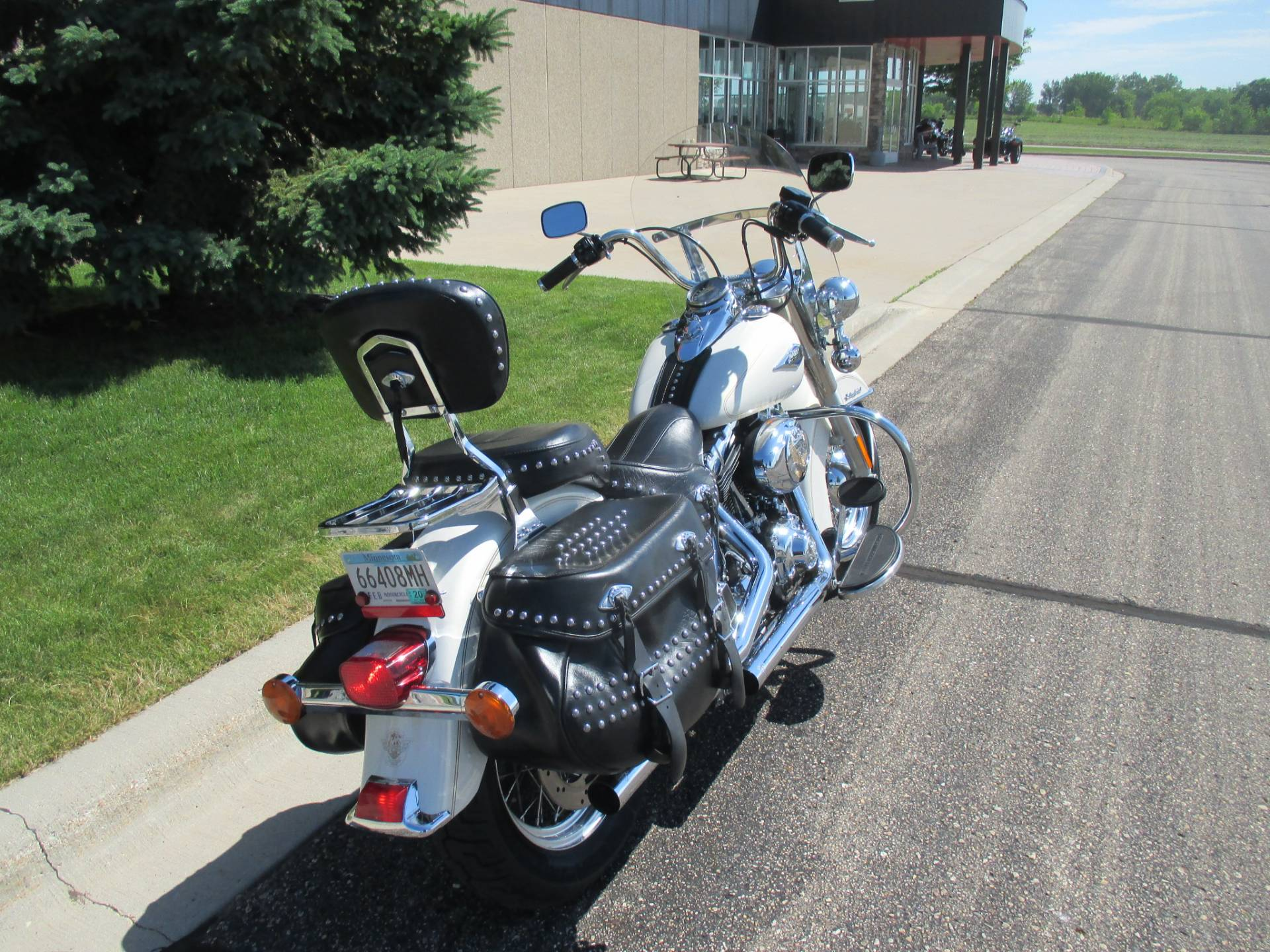 2015 Harley-Davidson Heritage Softail® Classic in Alexandria, Minnesota - Photo 4