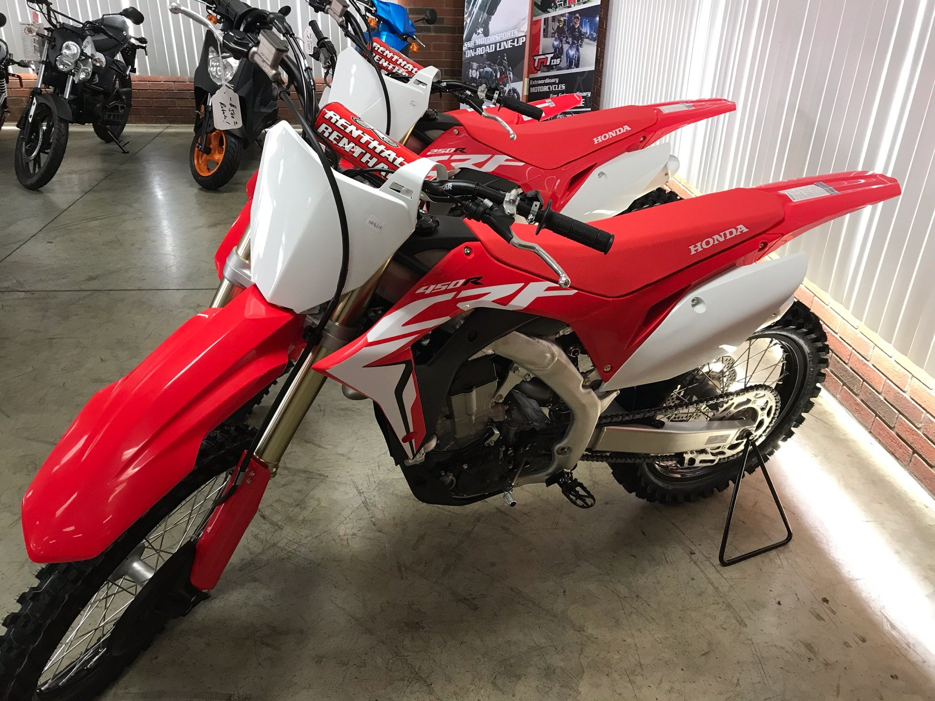2019 Honda CRF450R in Sanford, North Carolina - Photo 1