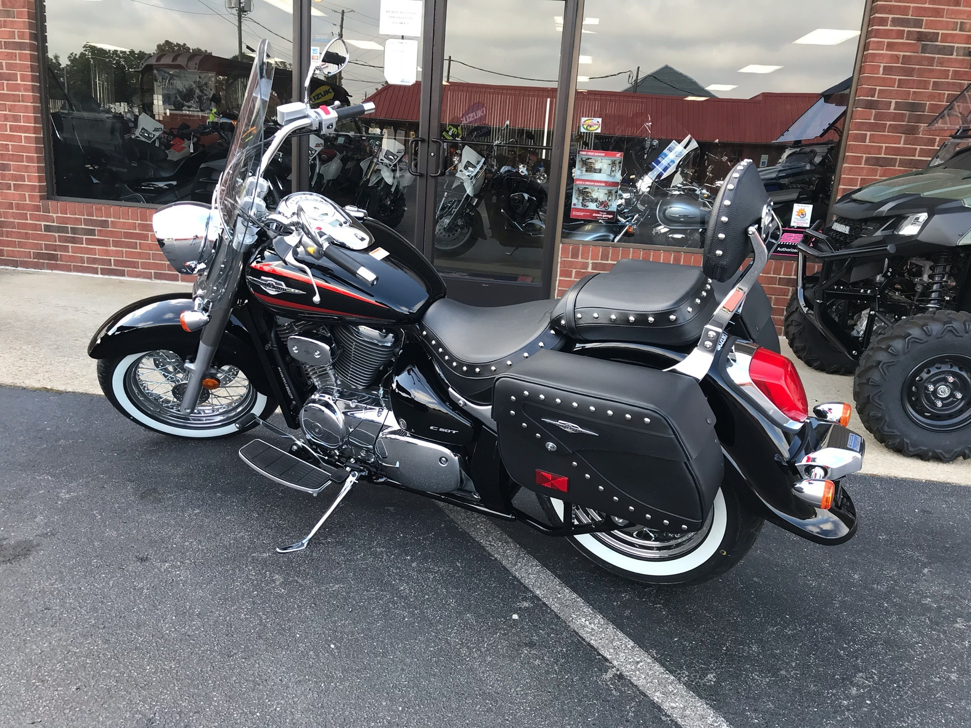 2019 Suzuki Boulevard C50T in Sanford, North Carolina - Photo 3