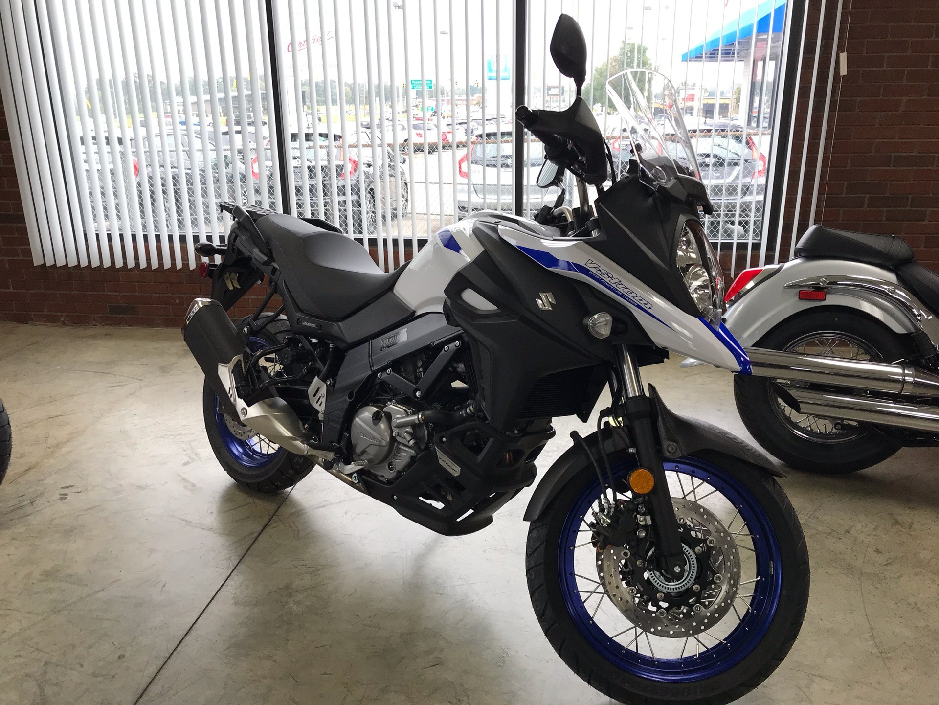 2019 Suzuki V-Strom 650XT in Sanford, North Carolina - Photo 2