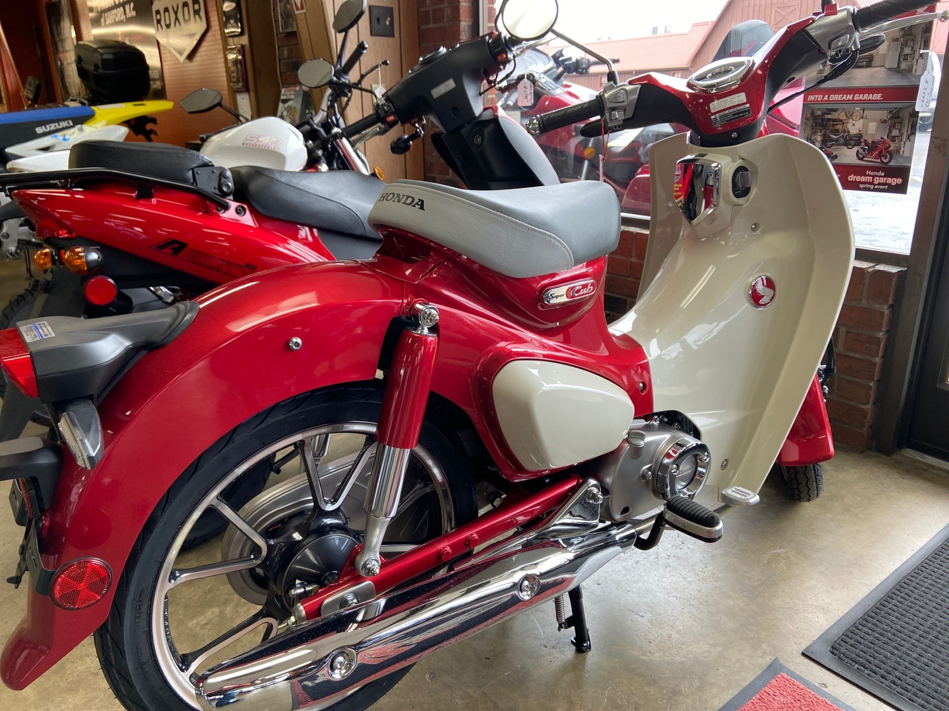 2020 Honda Super Cub C125 ABS in Sanford, North Carolina - Photo 2
