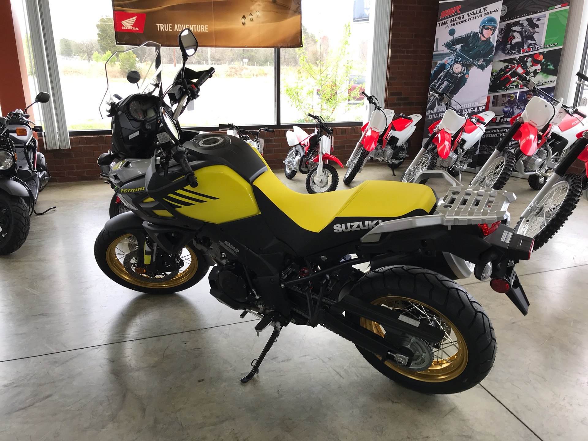 2018 Suzuki V-Strom 1000XT in Sanford, North Carolina - Photo 6