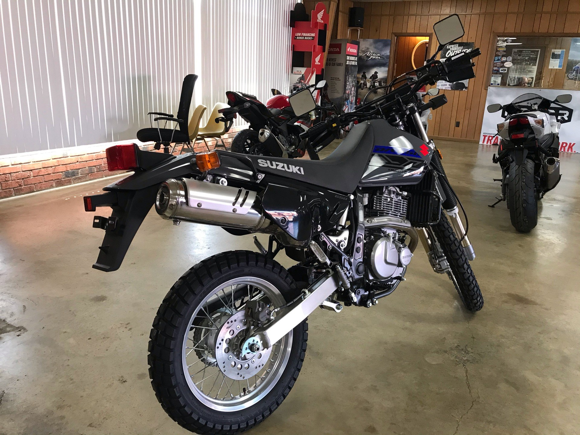 2020 Suzuki DR650S in Sanford, North Carolina - Photo 7