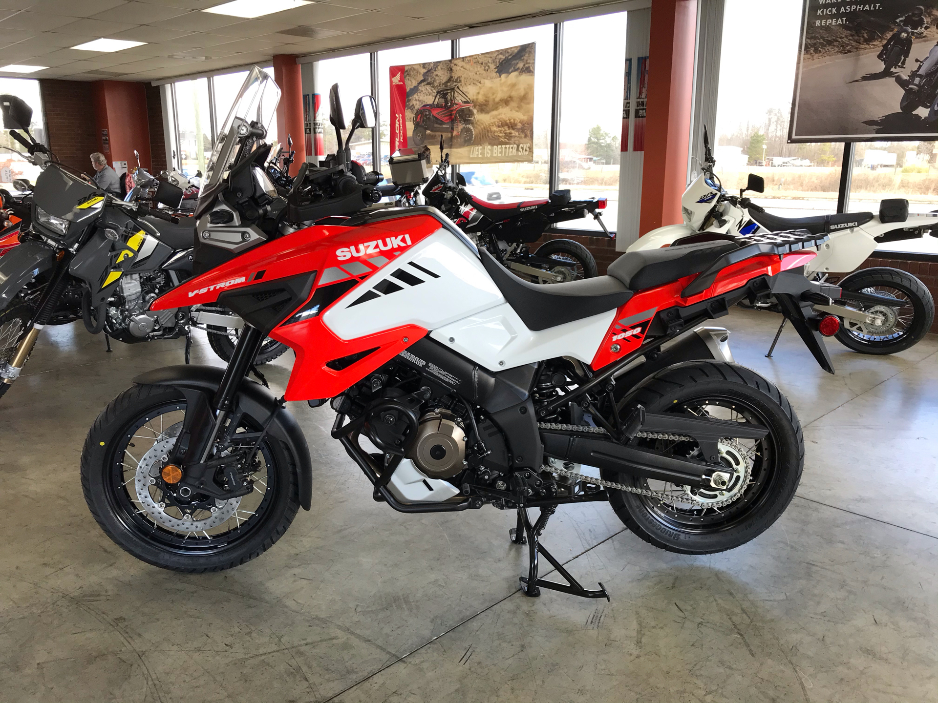 2020 Suzuki V-Strom 1050XT in Sanford, North Carolina - Photo 5