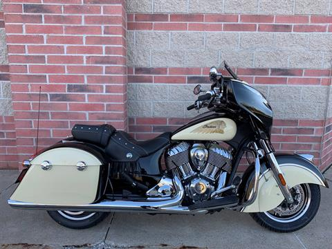 2019 Indian Chieftain® Classic ABS in Muskego, Wisconsin - Photo 1