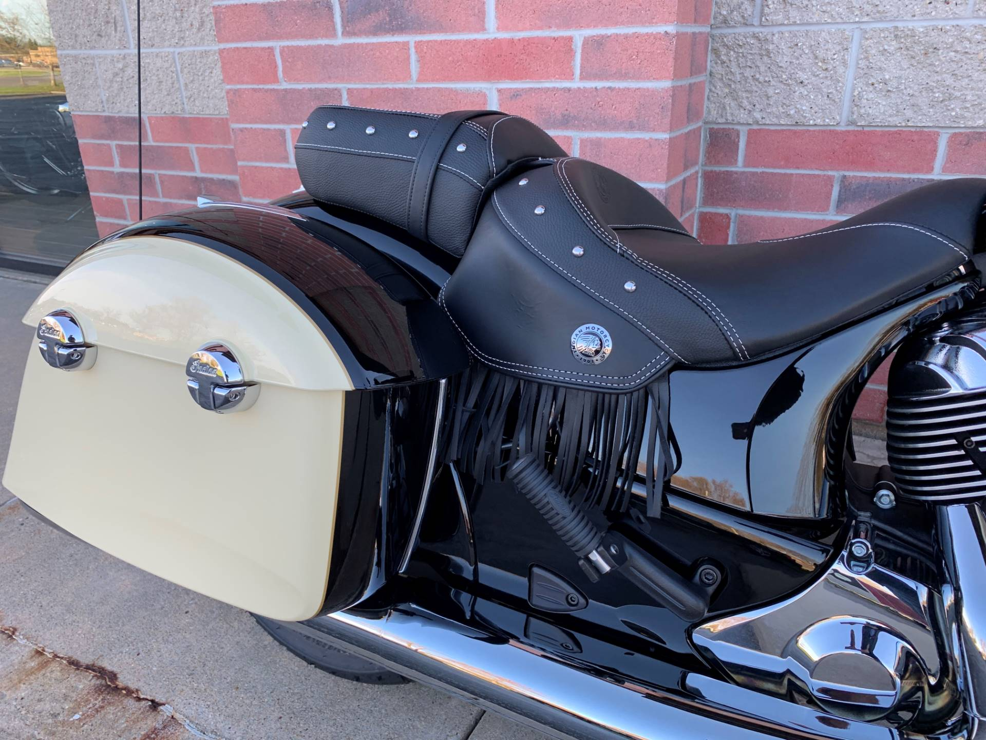 2019 Indian Chieftain® Classic ABS in Muskego, Wisconsin - Photo 6