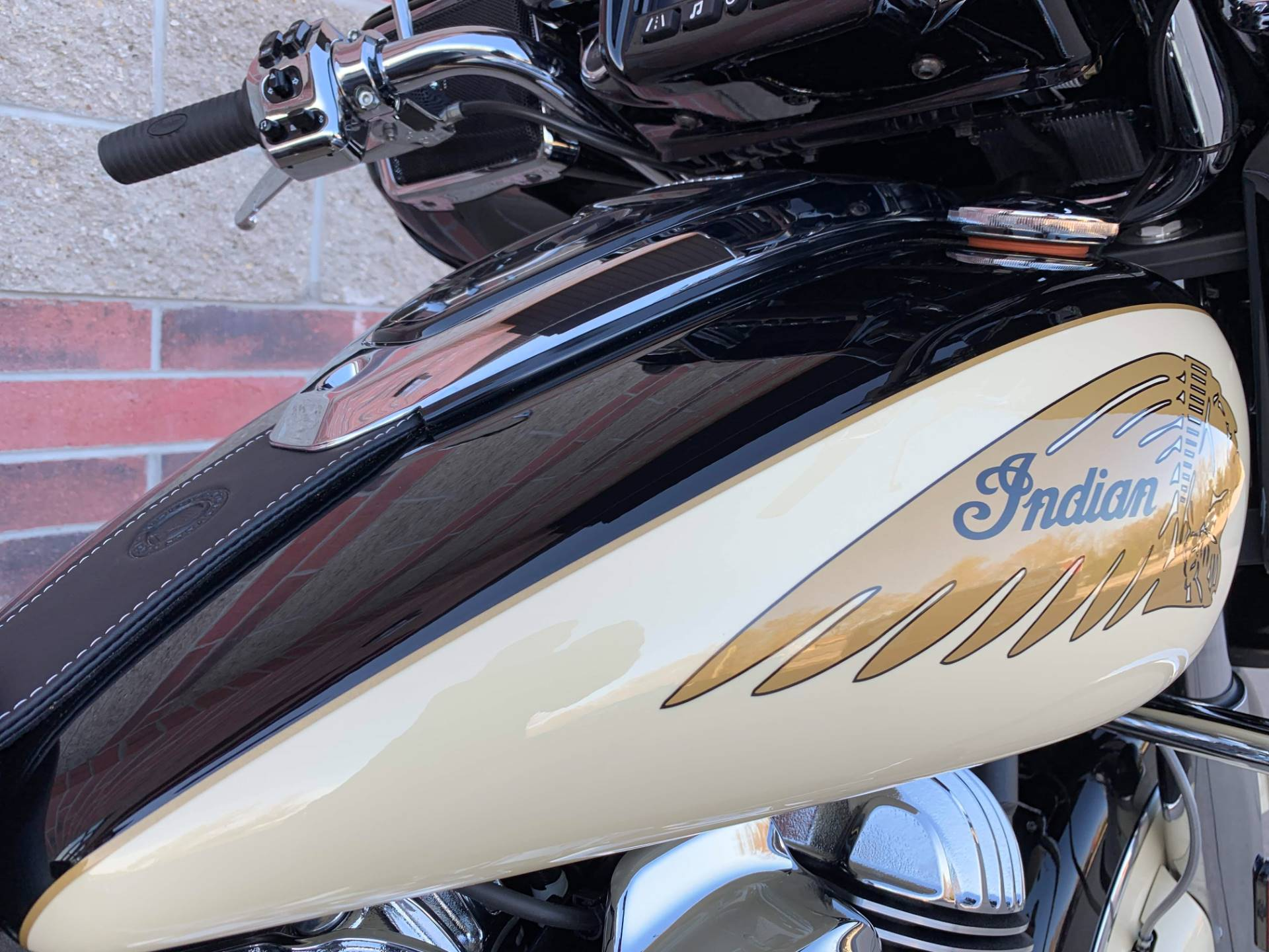 2019 Indian Chieftain® Classic ABS in Muskego, Wisconsin - Photo 8